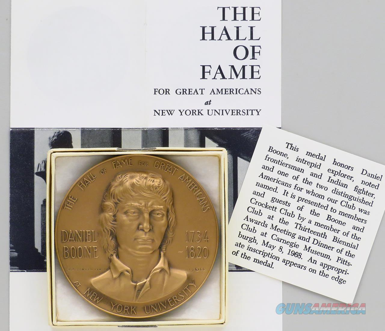 Boone and Crockett Club medal, 1968 Awards Period dinner, set of two, Daniel Boone  Non-Guns > Miscellaneous
