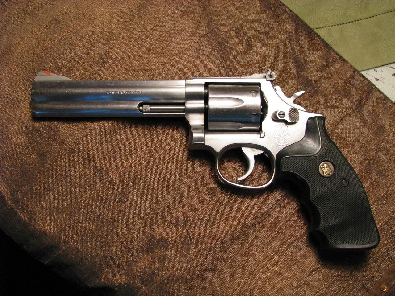 S&W Model 686 6-inch stainless .357 Mag.  Guns > Pistols > Smith & Wesson Revolvers > Full Frame Revolver