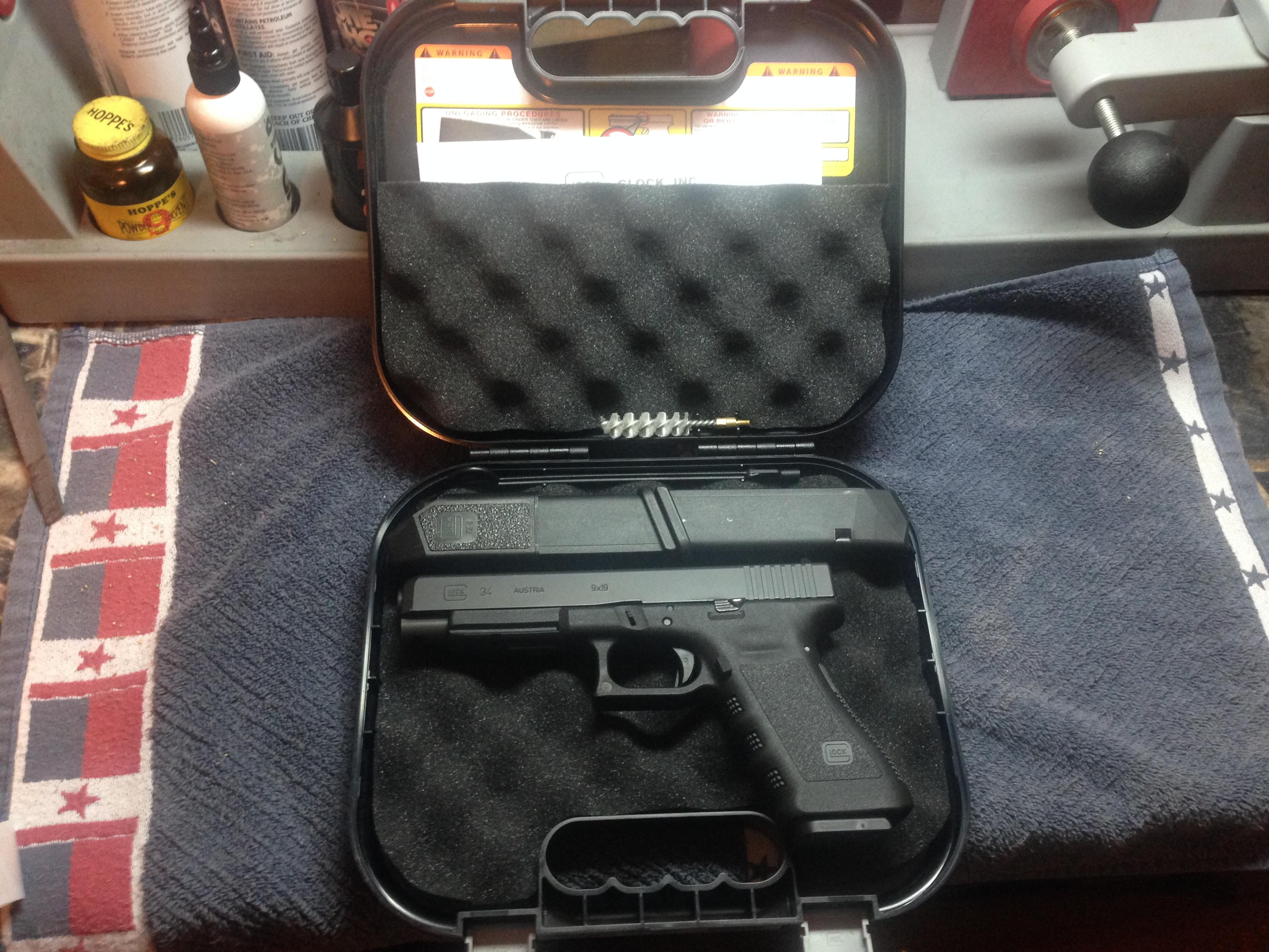 Like new Gen 3 Glock 34 with Blade Tech Holster and Mag Carrier  Guns > Pistols > Glock Pistols > 34