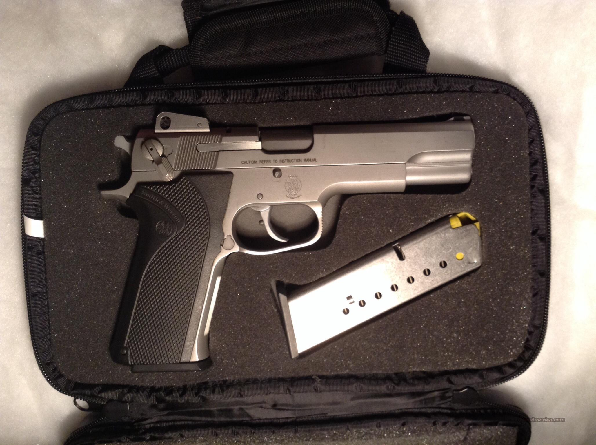 Smith&Wesson 1006 10mm  Guns > Pistols > Smith & Wesson Pistols - Autos > Steel Frame