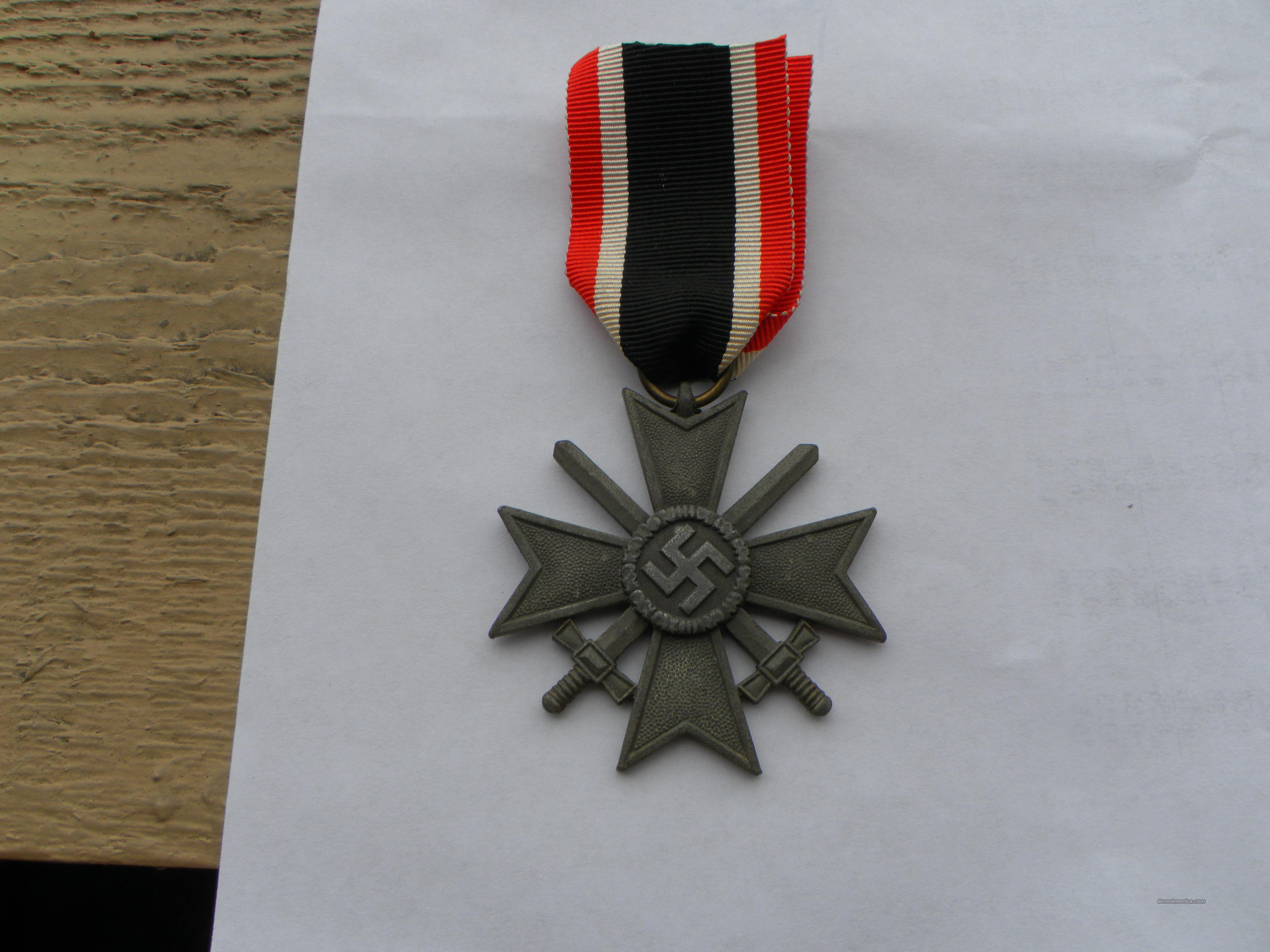 War Merit Cross with swords, WW 2, German.  Non-Guns > Curios