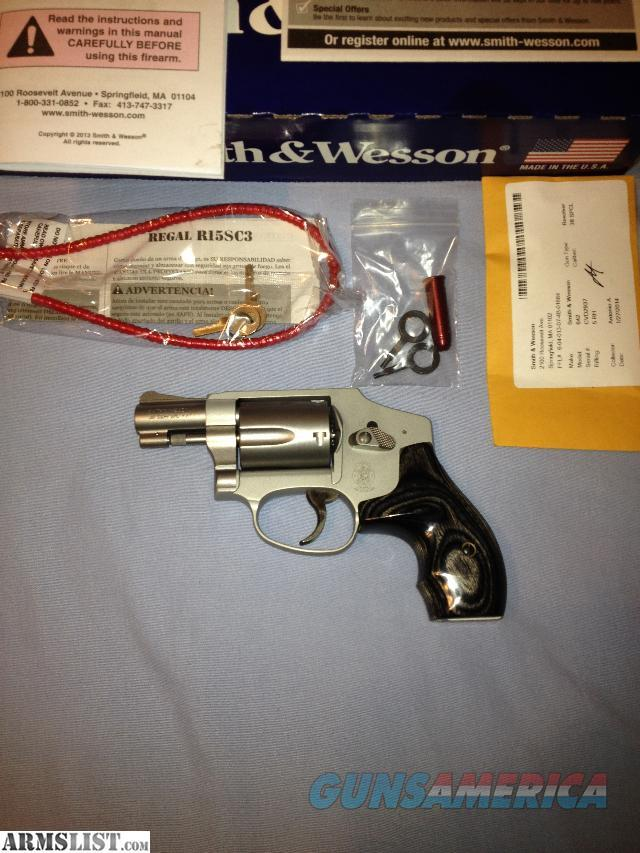 Smith and Wesson J Frame 642 w/ S&W Silver/Black Wood Grips   Guns > Pistols > Smith & Wesson Revolvers > Pocket Pistols