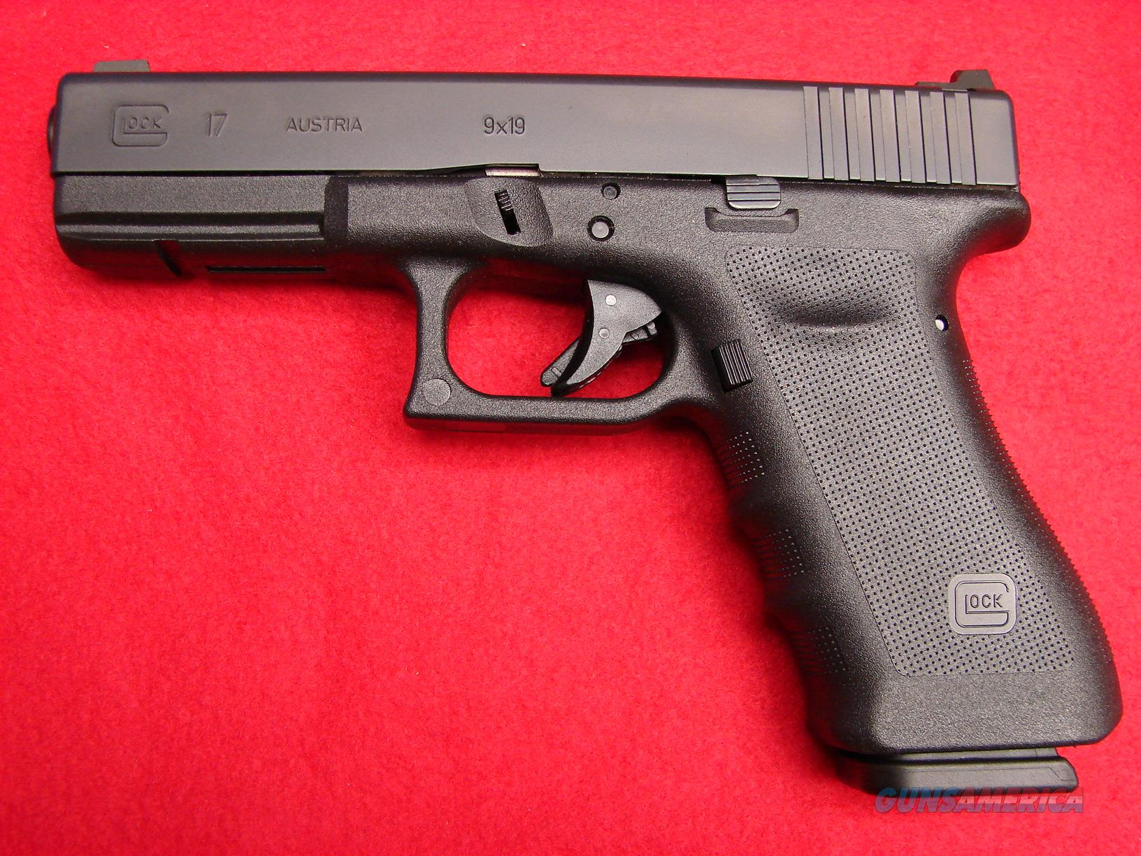 Vicker's Glock - Model 17 - 9mm Black Finish - NIB   Guns > Pistols > Glock Pistols > 17