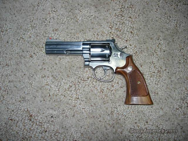 SMITH AND WESSON 686 4 INCH  Guns > Pistols > Smith & Wesson Revolvers > Full Frame Revolver