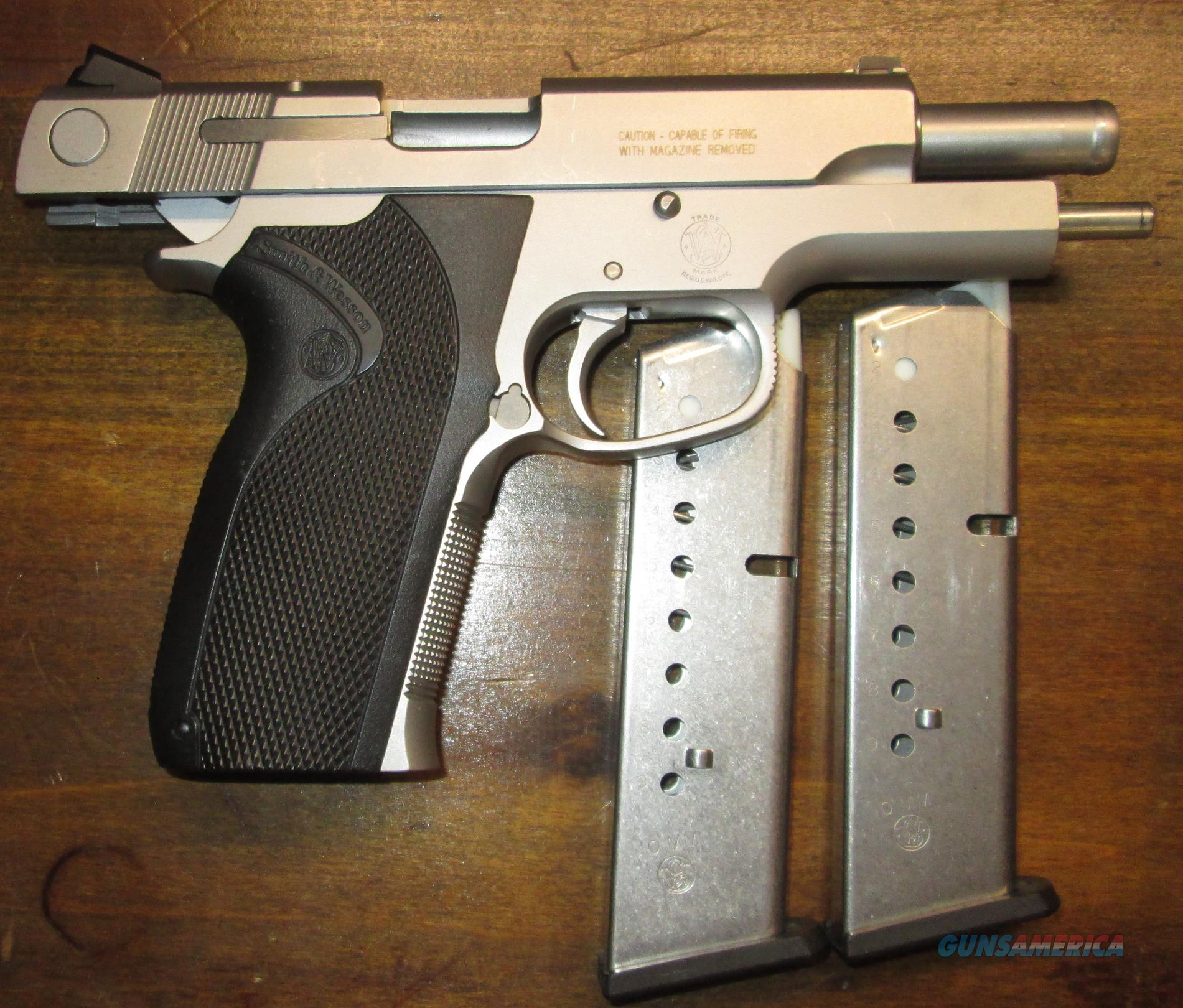 S&W 1076 10MM VERIFIED Gov't Issued Pistol  Guns > Pistols > Smith & Wesson Pistols - Autos > Steel Frame