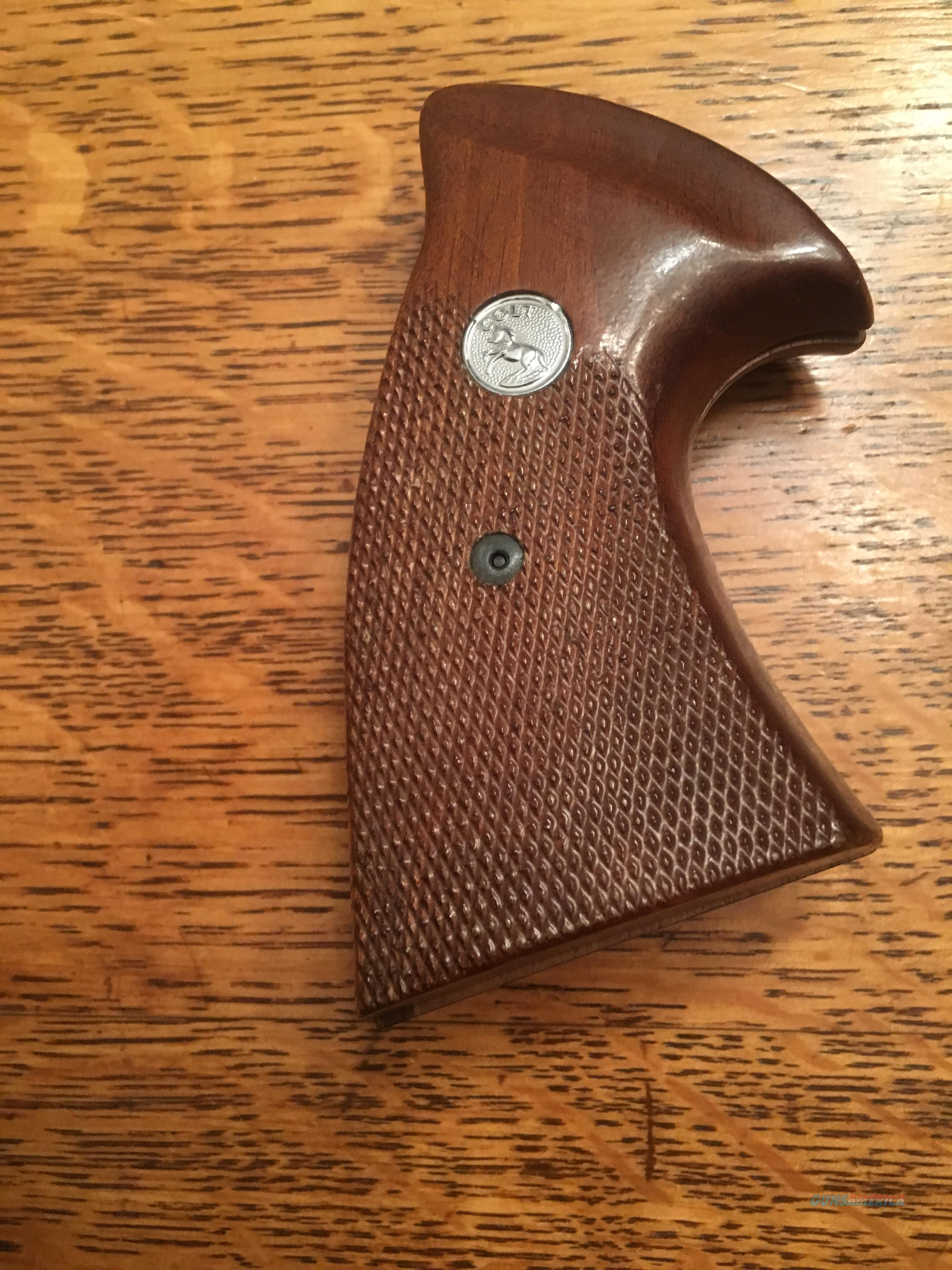 FACTORY COLT GRIPS  Non-Guns > Gunstocks, Grips & Wood
