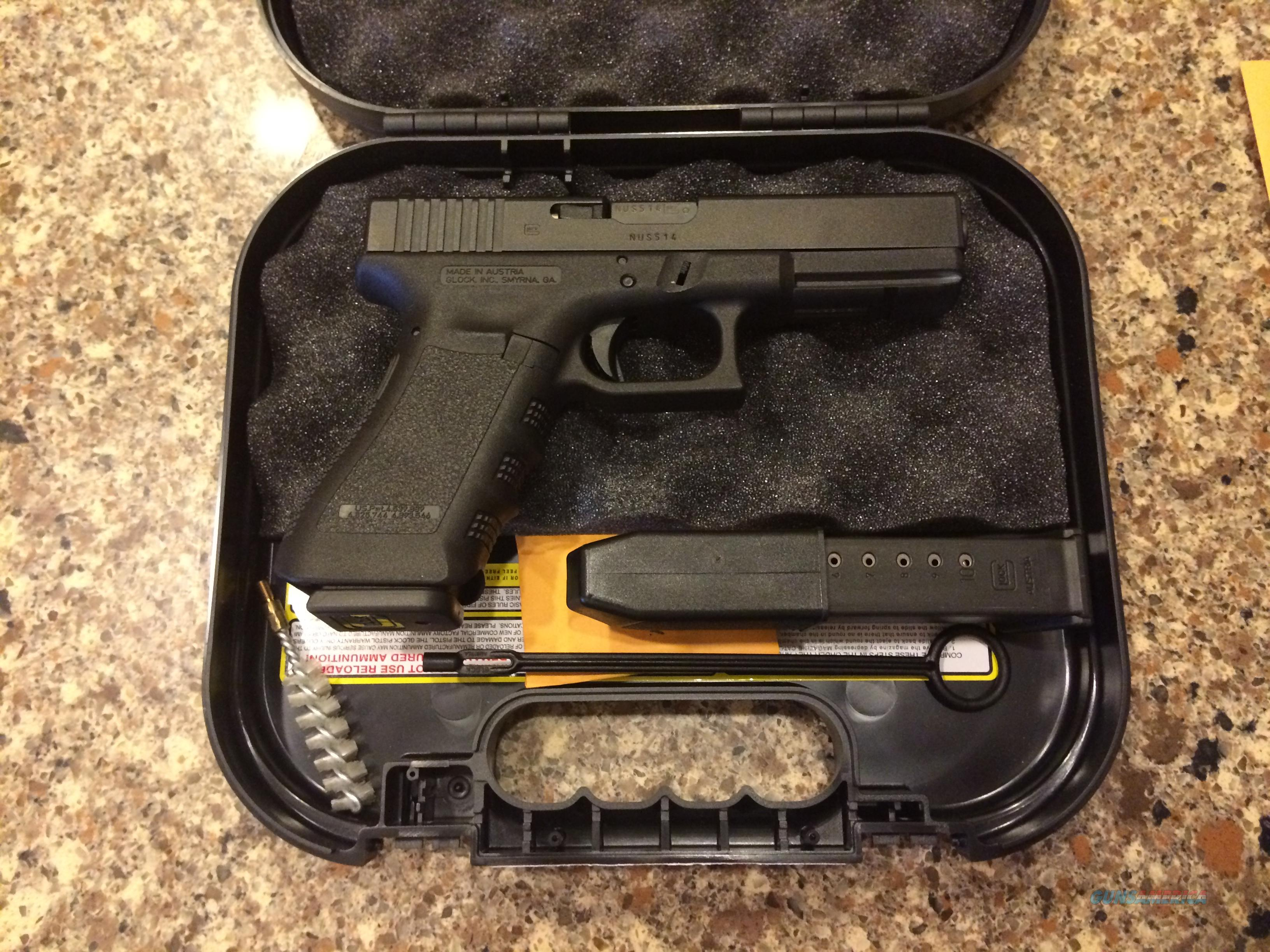 GLOCK 17 9MM GEN 3 WITH 2-10 ROUND MAGS TO COMPLY WITH MOST STATE LAWS  Guns > Pistols > Glock Pistols > 17