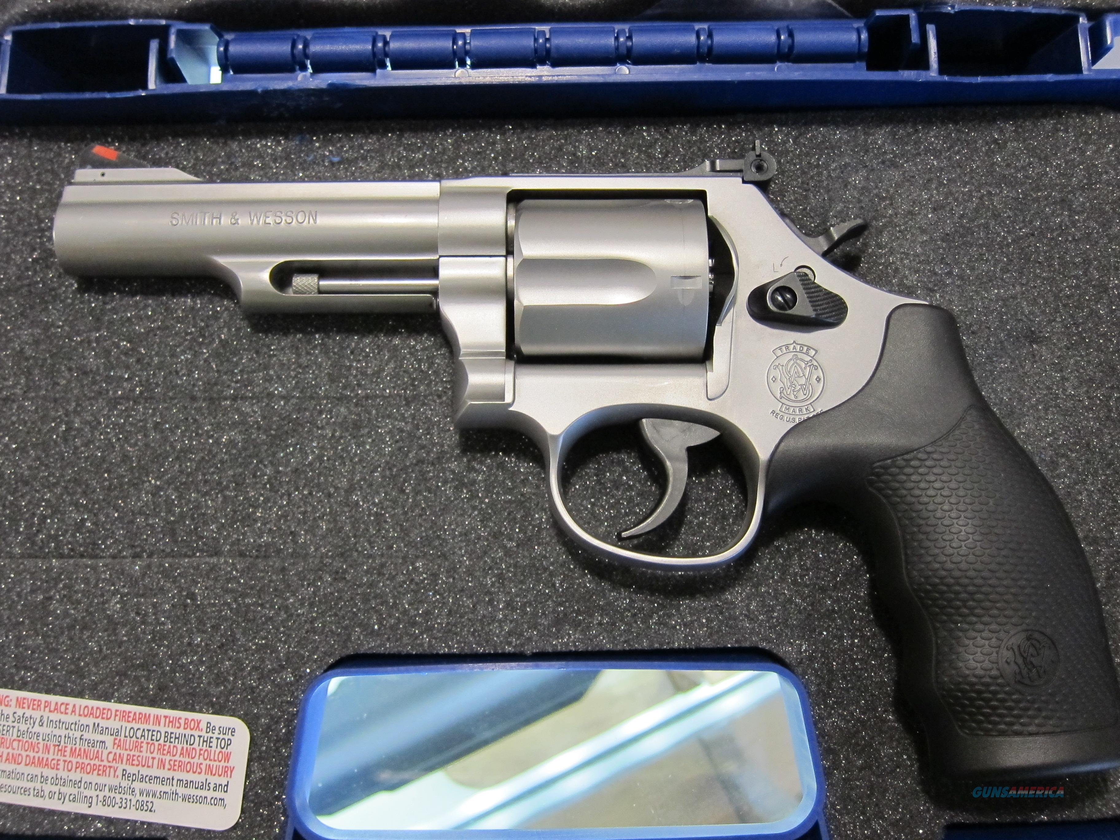 SMITH & WESSON Model 69 (NIB), .44 Magnum/.44 Special, 4.25 inch Barrel, Stainless, 5 Shot Cylinder.  Guns > Pistols > Smith & Wesson Revolvers > Full Frame Revolver
