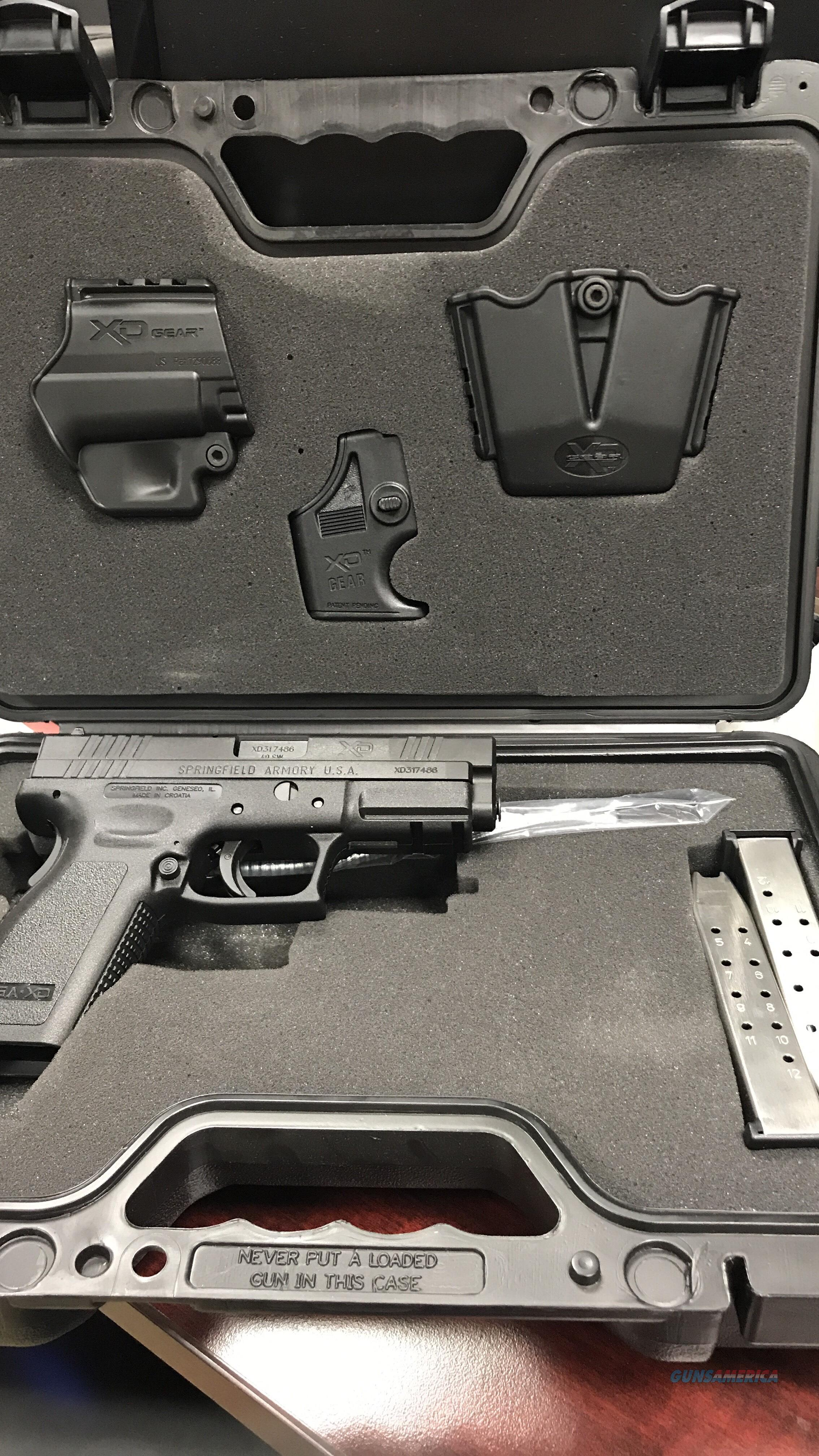 SPRINGFIELD XD40 WITH GEAR  (FREE SHIPPING)  Guns > Pistols > Springfield Armory Pistols > XD (eXtreme Duty)