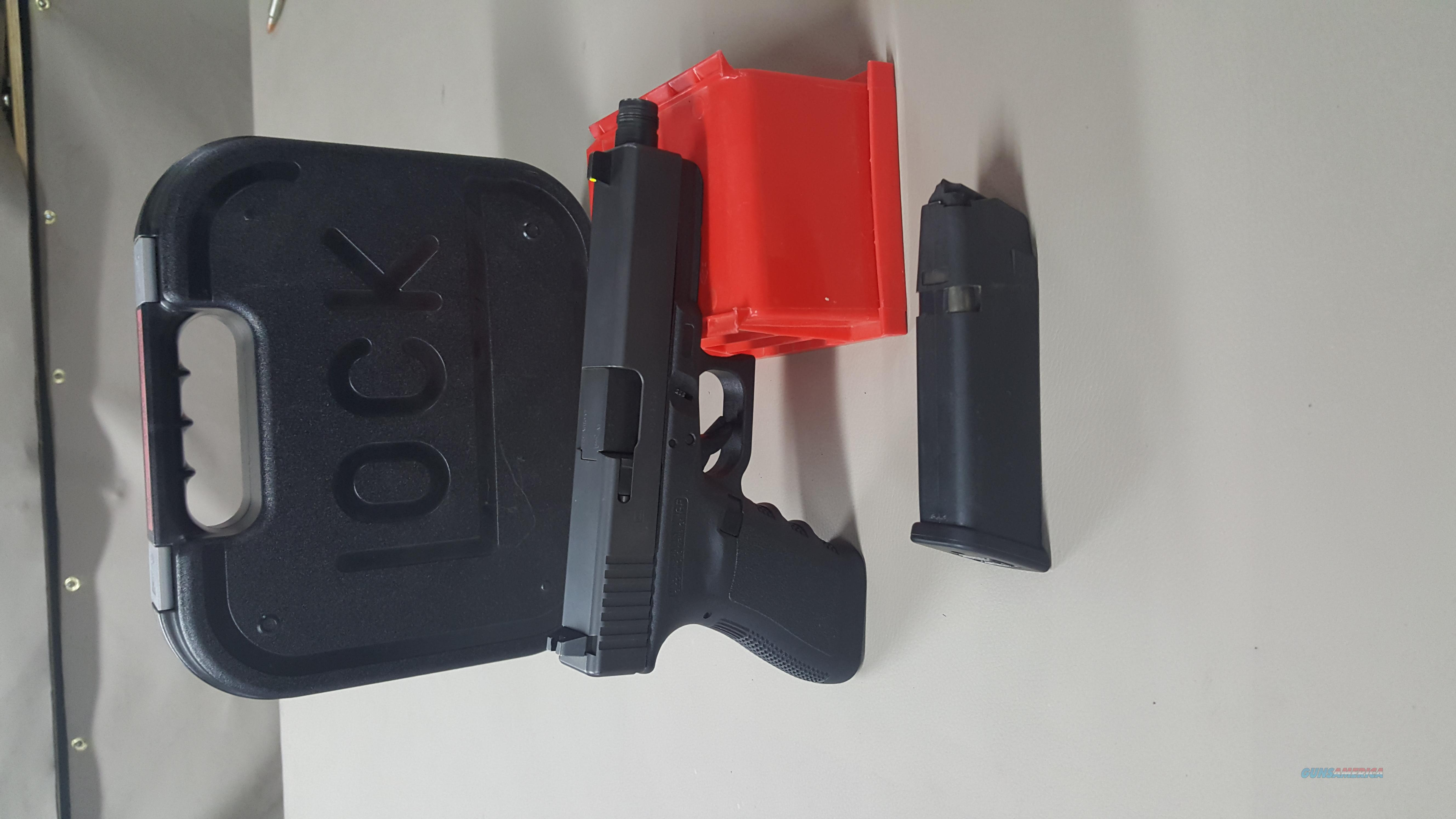 GLOCK 21SF .45ACP GEN 3 Threaded Barrel Tall Sights demo model  Guns > Pistols > Glock Pistols > 20/21