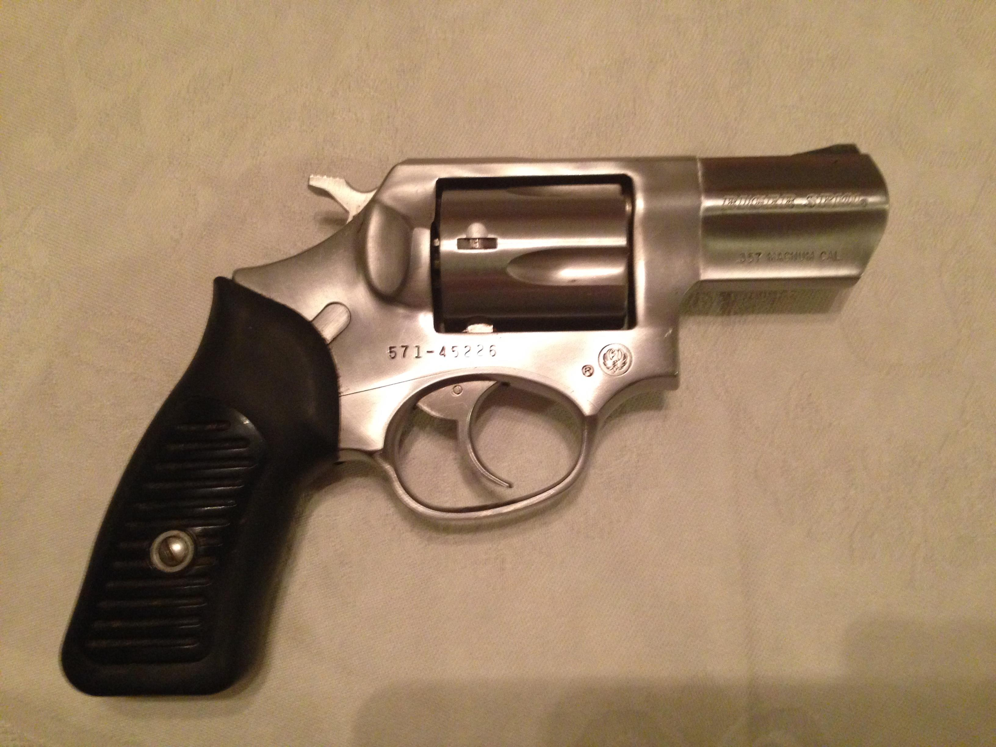 RUGER DOUBLE ACTION SP101 REVOLVER  Guns > Pistols > Ruger Double Action Revolver > SP101 Type