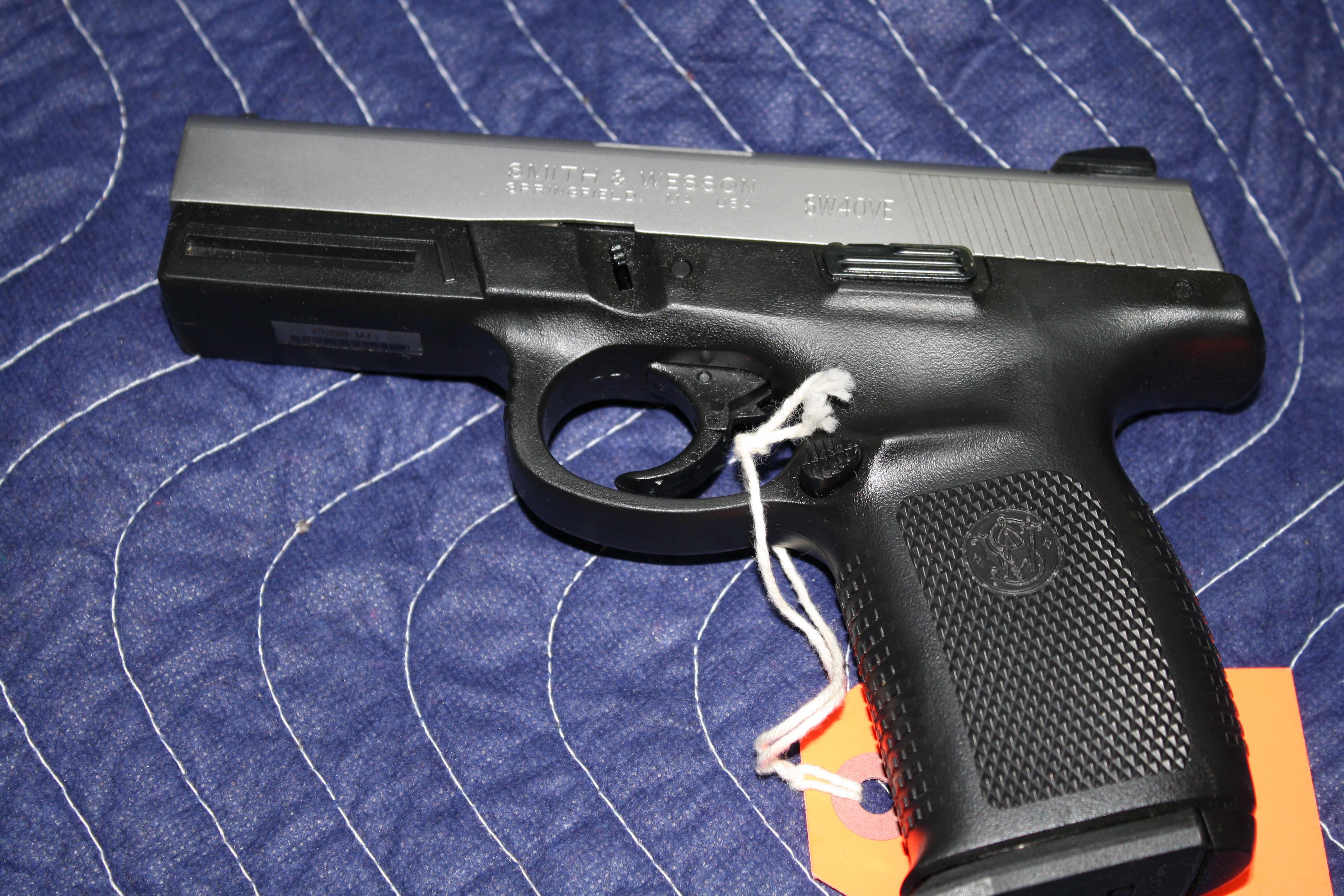 SMITH AND WESSON SW40VE   Guns > Pistols > Smith & Wesson Pistols - Autos > Shield