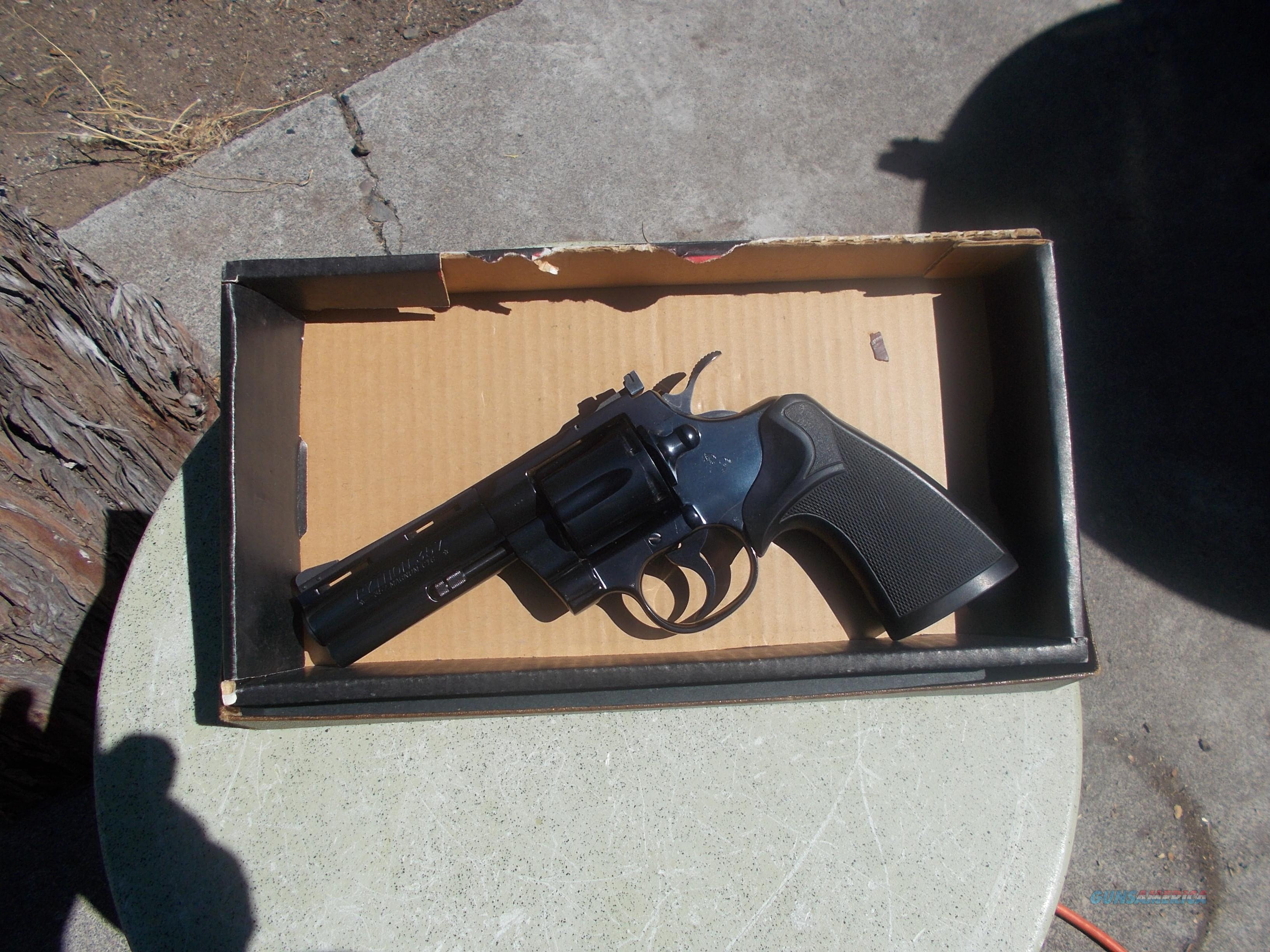 colt python 4 inch barrel 357 mag like new 1977  Guns > Pistols > Colt Double Action Revolvers- Modern