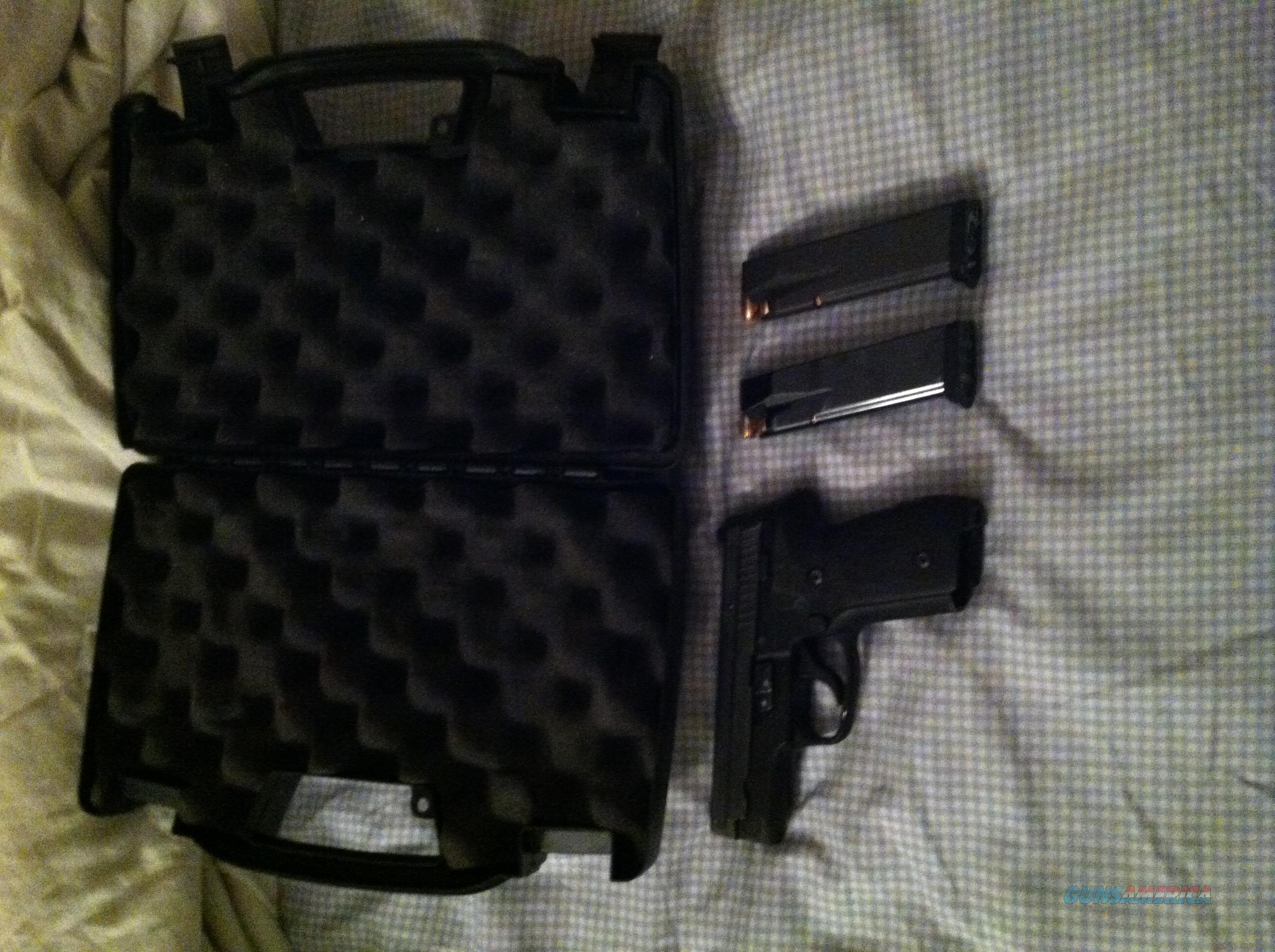 P229, .40, Kept in an armory  Guns > Pistols > Sig - Sauer/Sigarms Pistols > P229