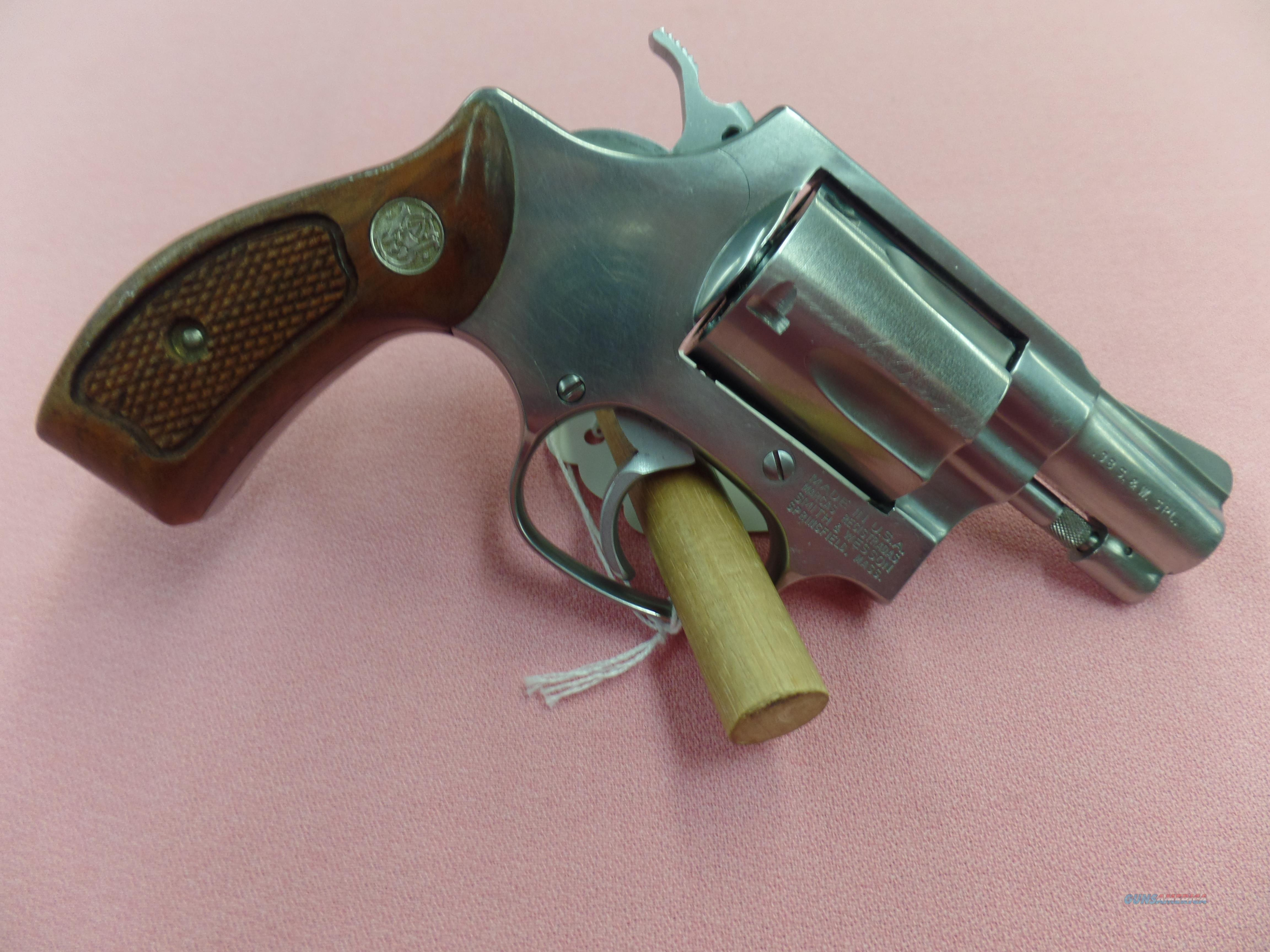 Smith and Wesson Model 60 -- 38 Spl.  Guns > Pistols > Smith & Wesson Revolvers > Small Frame ( J )
