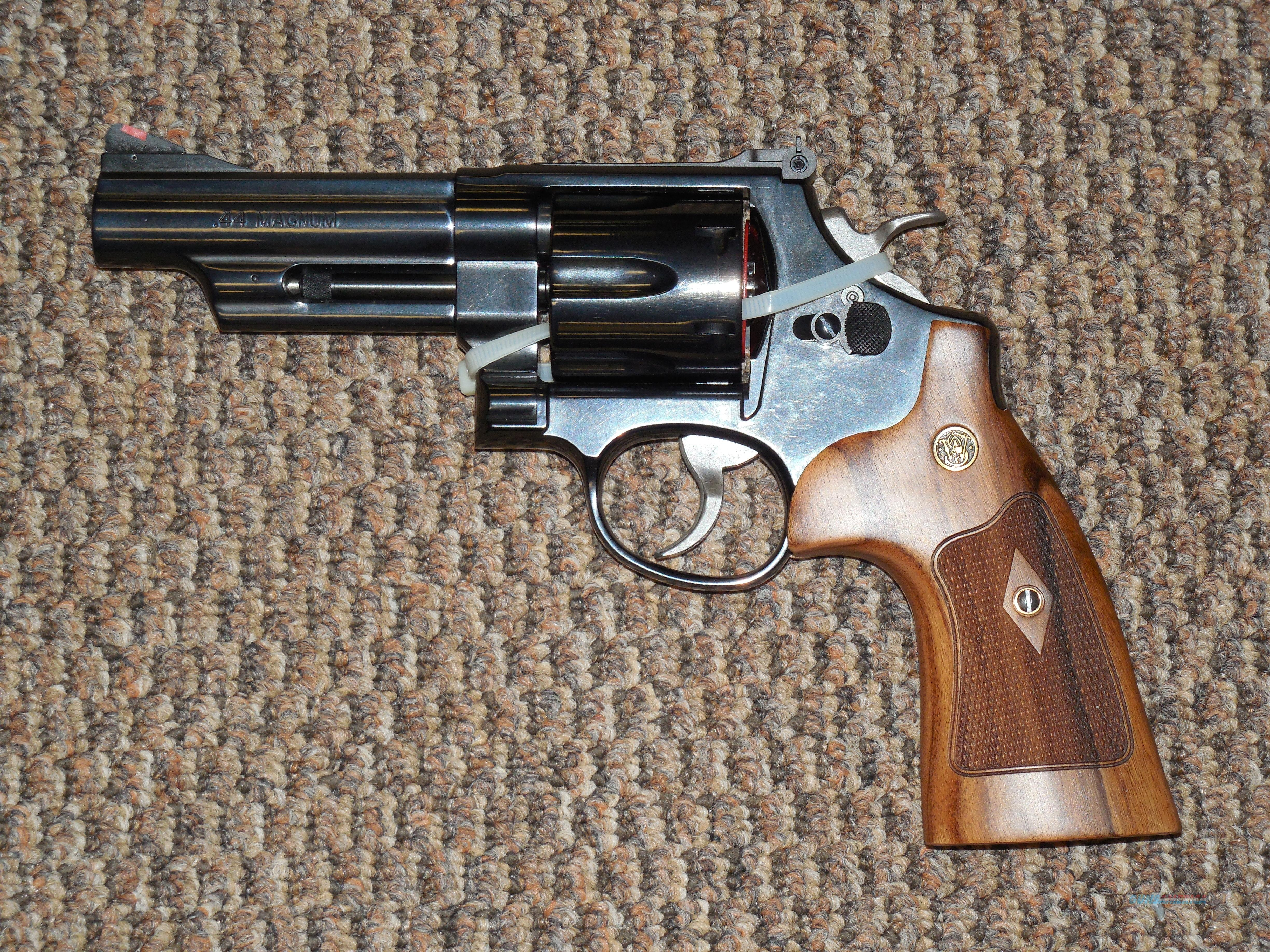 S&W MODEL 29 CLASSIC 4INCH .44 MAGNUM  Guns > Pistols > Smith & Wesson Revolvers > Full Frame Revolver