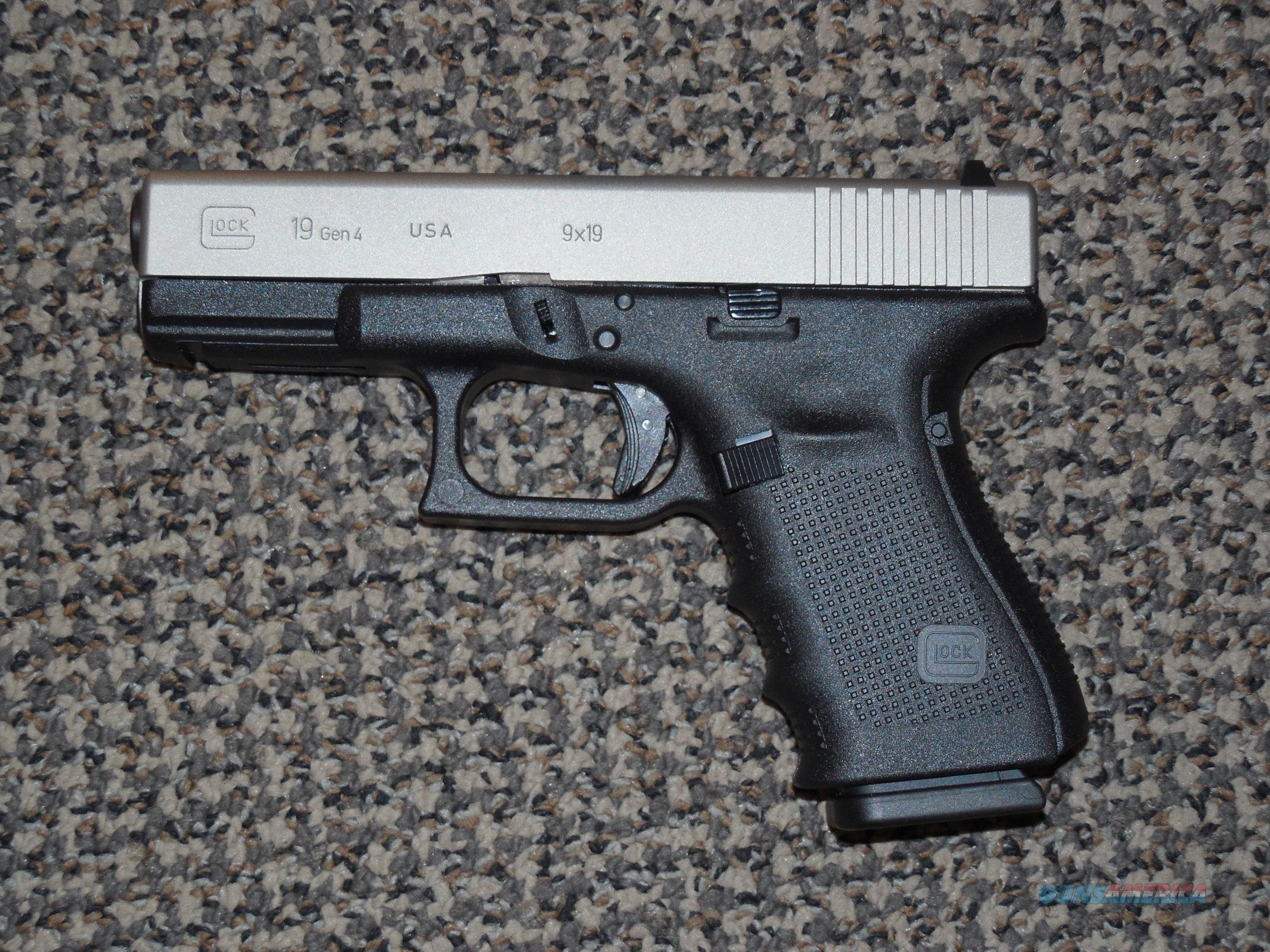 "GLOCK MODEL 19 WITH ""TITANIUM"" FINISH 9 MM PISTOL  Guns > Pistols > Glock Pistols > 19"