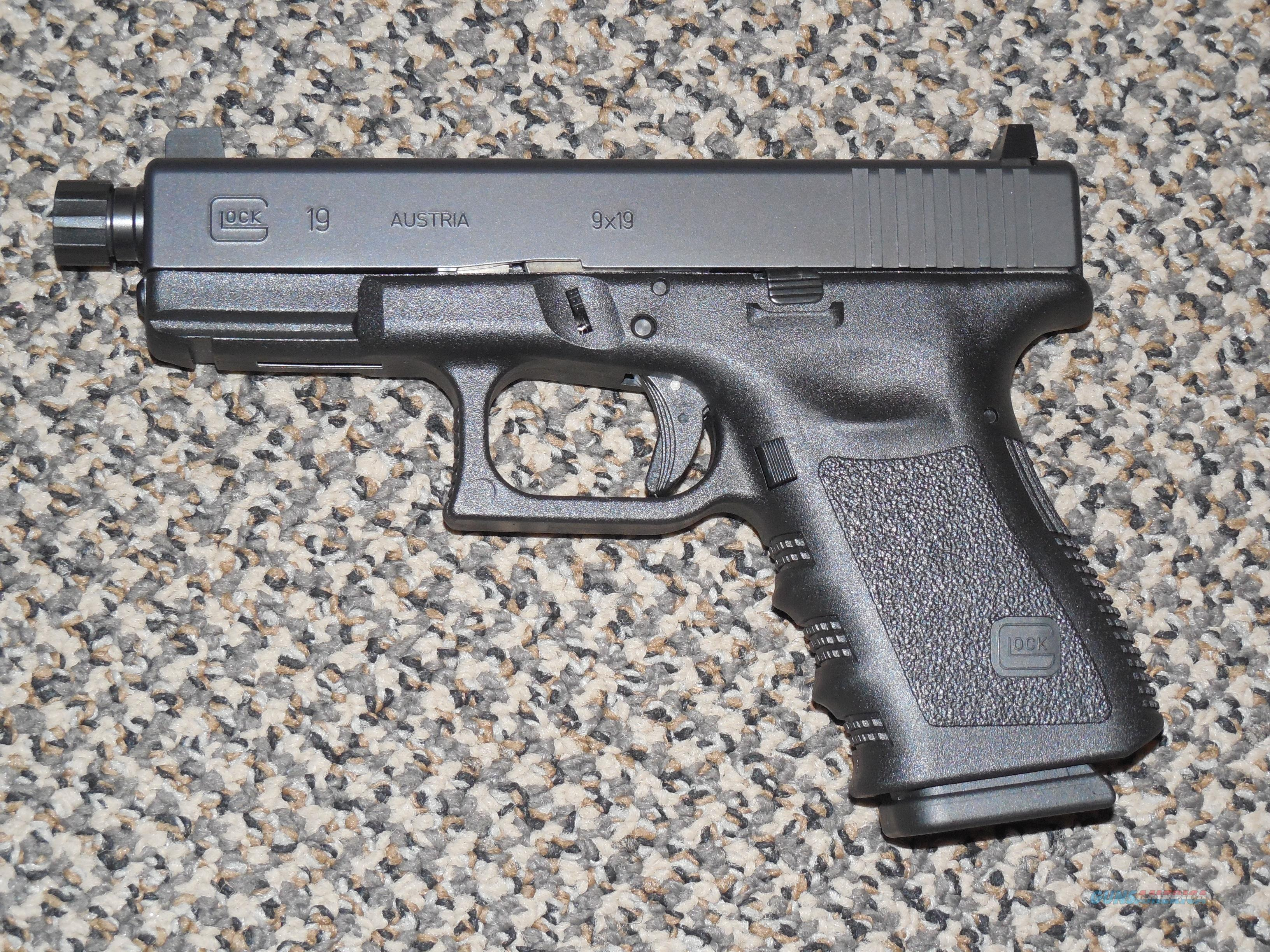 GLOCK MODEL 19 THREADED BARREL 9 mm 3RD GEN  Guns > Pistols > Glock Pistols > 19
