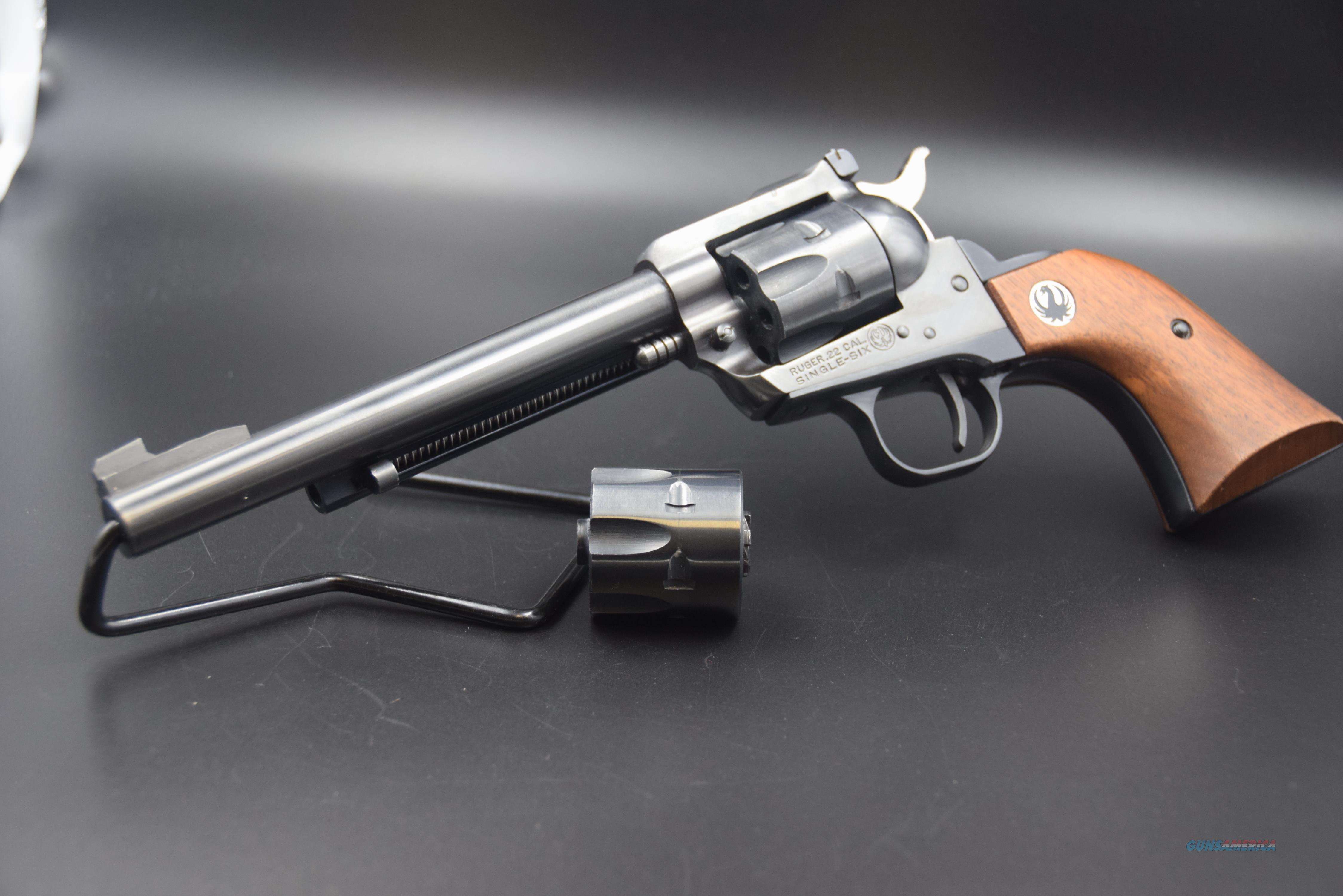 RUGER SINGLE SIX CONVERTIBLE THREE-SCREW  Guns > Pistols > Ruger Single Action Revolvers > Single Six Type