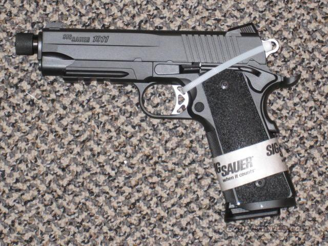 SIG SAUER 1911 TACOPS with 4-magazines/THREADED BARREL/.45 ACP  Guns > Pistols > Sig - Sauer/Sigarms Pistols > 1911