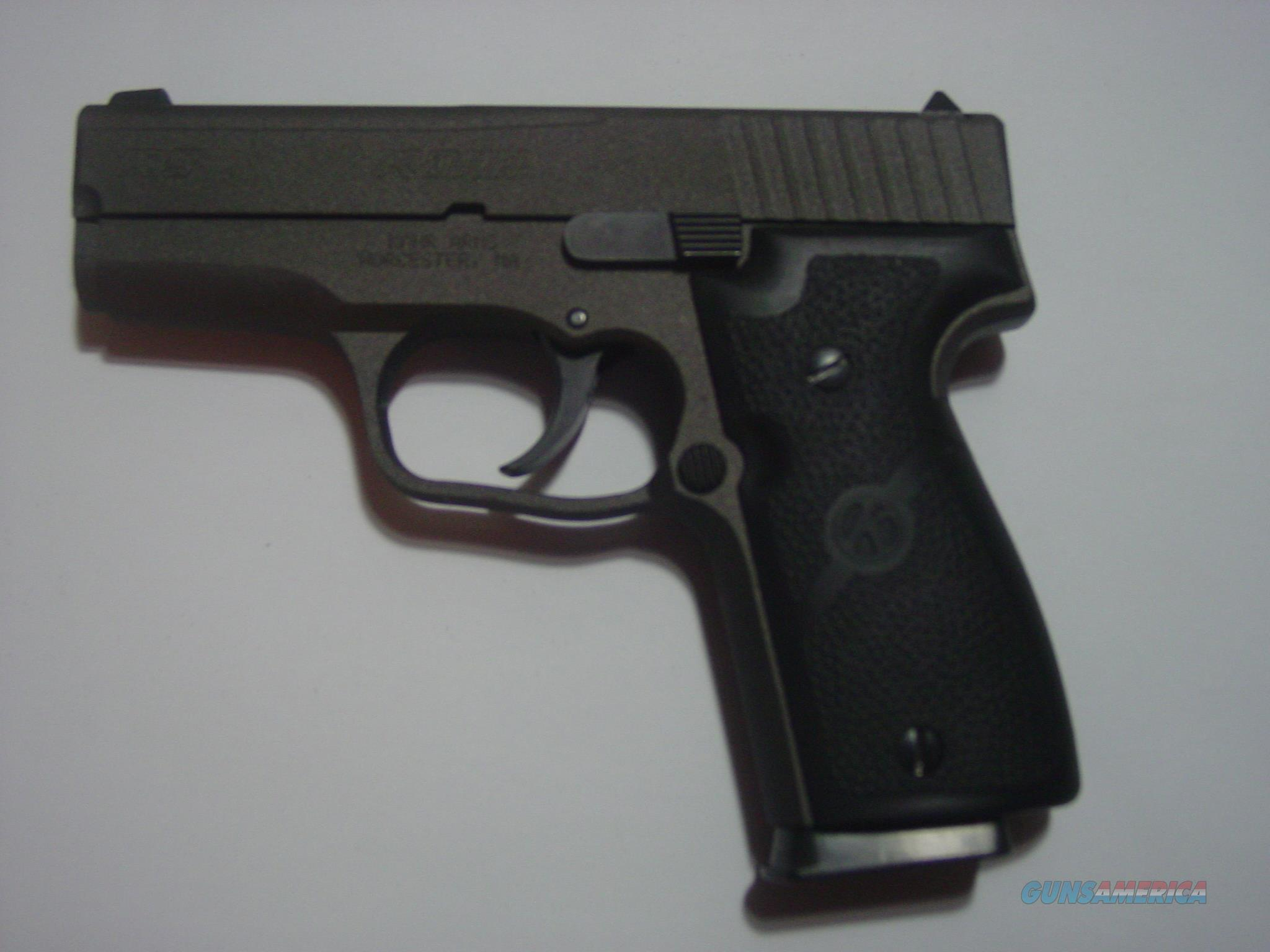 KAHR 9MM EARLY ALL STEEL MODEL.............AS NEW.............GREAT FLAT CARRY  Guns > Pistols > Kahr Pistols