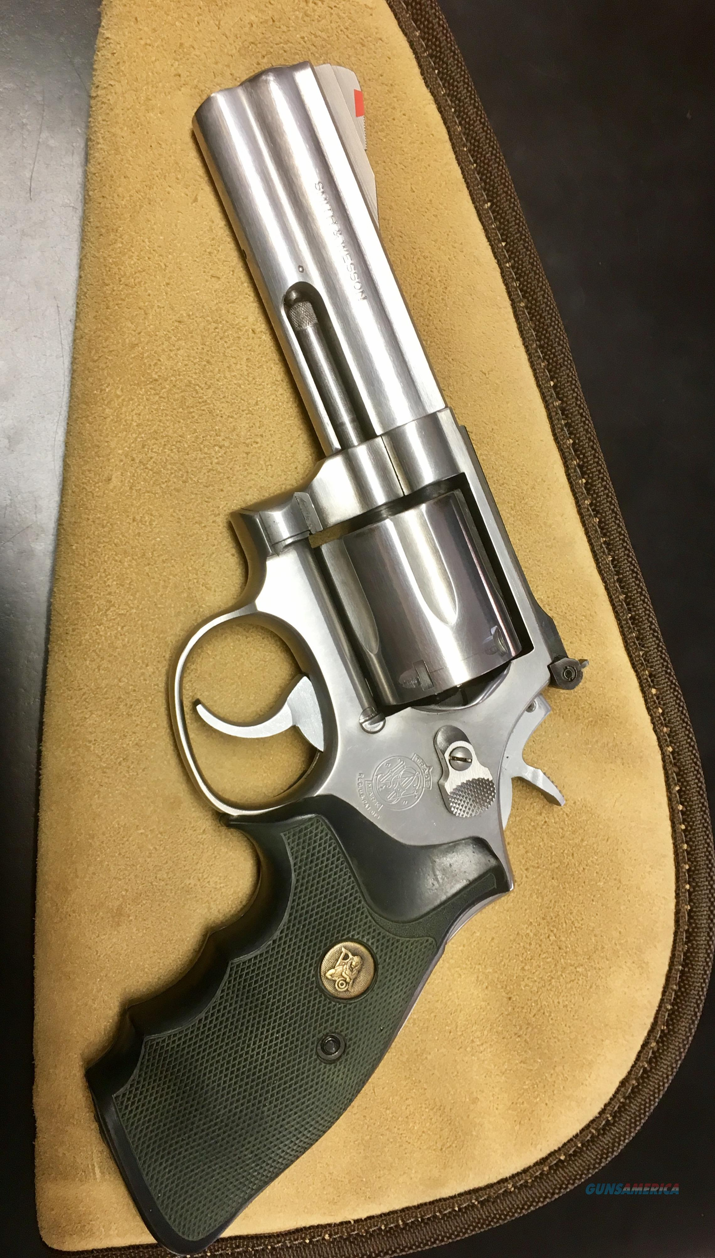 S&W 686-1   Guns > Pistols > Smith & Wesson Revolvers > Full Frame Revolver