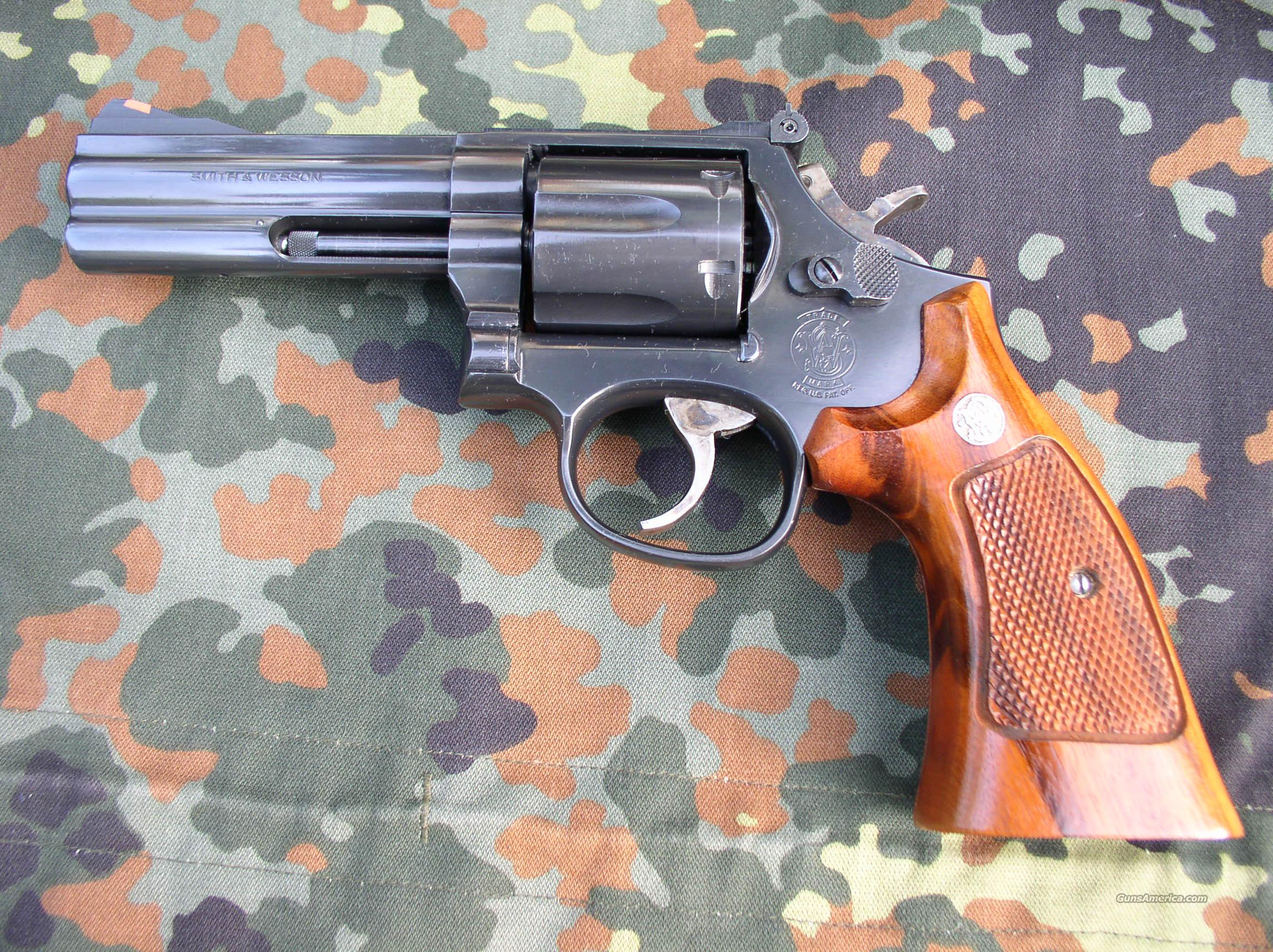 "Black S&W Model 686-3 with 4"" barrel  Guns > Pistols > Smith & Wesson Revolvers > Full Frame Revolver"