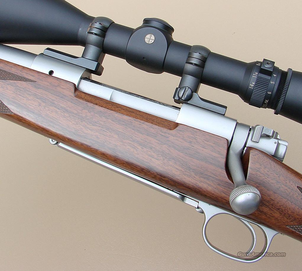 Winchester Model 70 Classic LEFT HAND 270 Rifle with a Leupold VARI-X III Scope  Guns > Rifles > Winchester Rifles - Modern Bolt/Auto/Single > Model 70 > Post-64