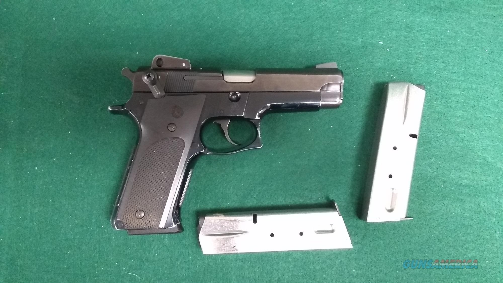 Smith & Wesson 459 9mm - Three magazines  Guns > Pistols > Smith & Wesson Pistols - Autos > Alloy Frame