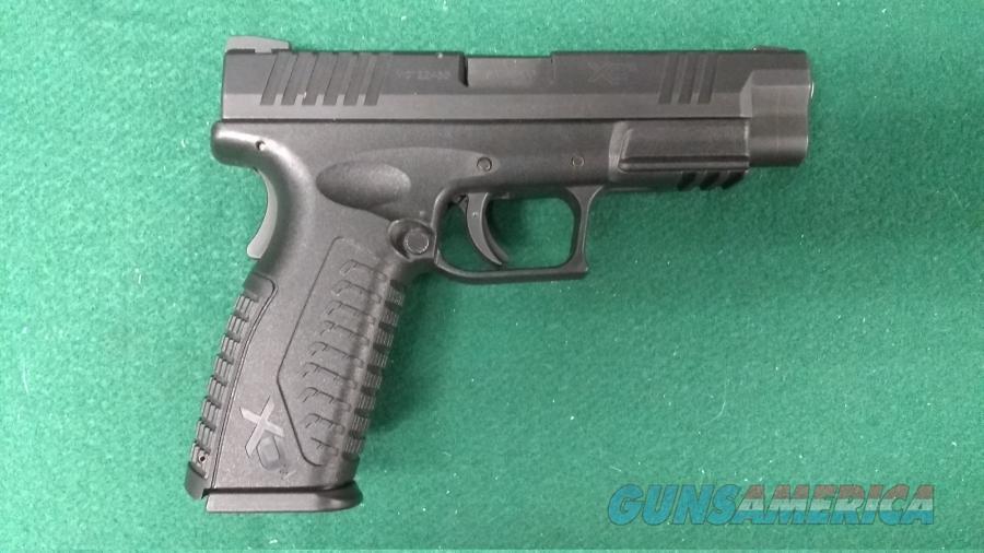 "Springfield XDM40 - 40S&W - 4.5"" Barrel - Seven Factory Magazines  Guns > Pistols > Springfield Armory Pistols > XD-M"