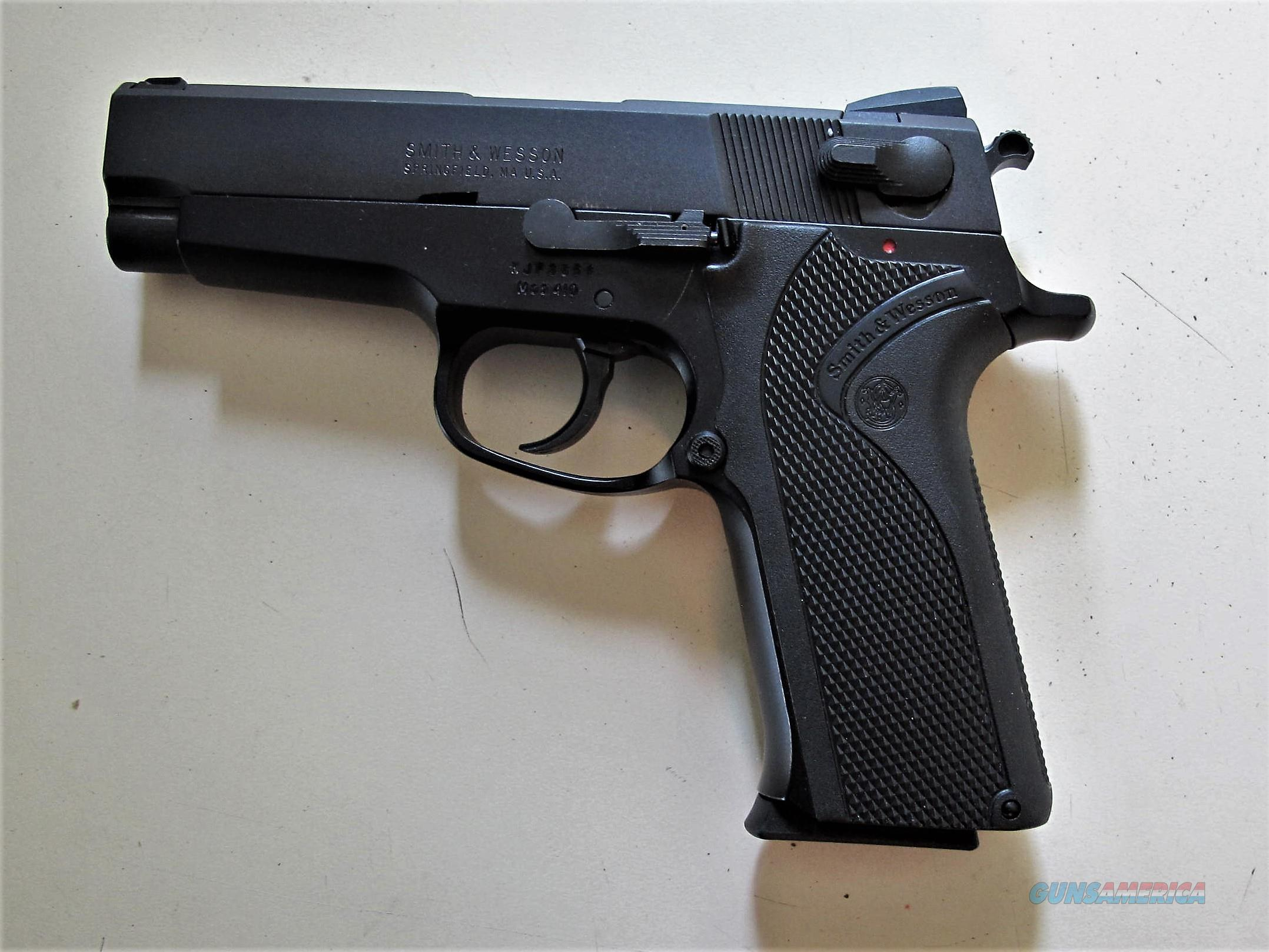 S&W MODEL 410 EXCELLENT CONDITION  Guns > Pistols > Smith & Wesson Pistols - Autos > Steel Frame