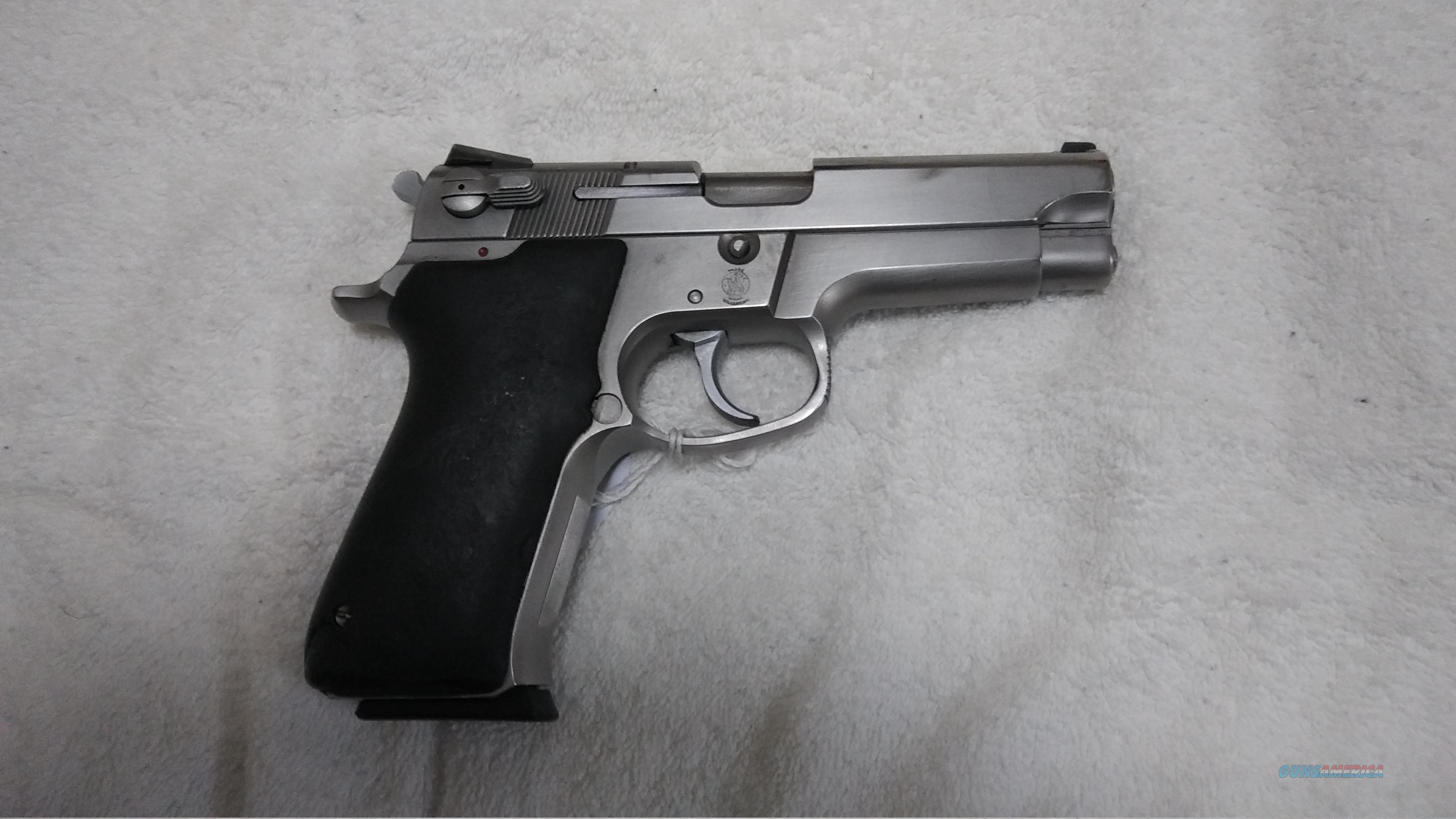 Smith & Wesson 9 mm model 5906 SS 15 shot  Guns > Pistols > Smith & Wesson Pistols - Autos > Steel Frame