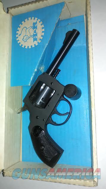 H and R model 622 .22 4 inch DA  with original box  Guns > Pistols > Harrington & Richardson Pistols