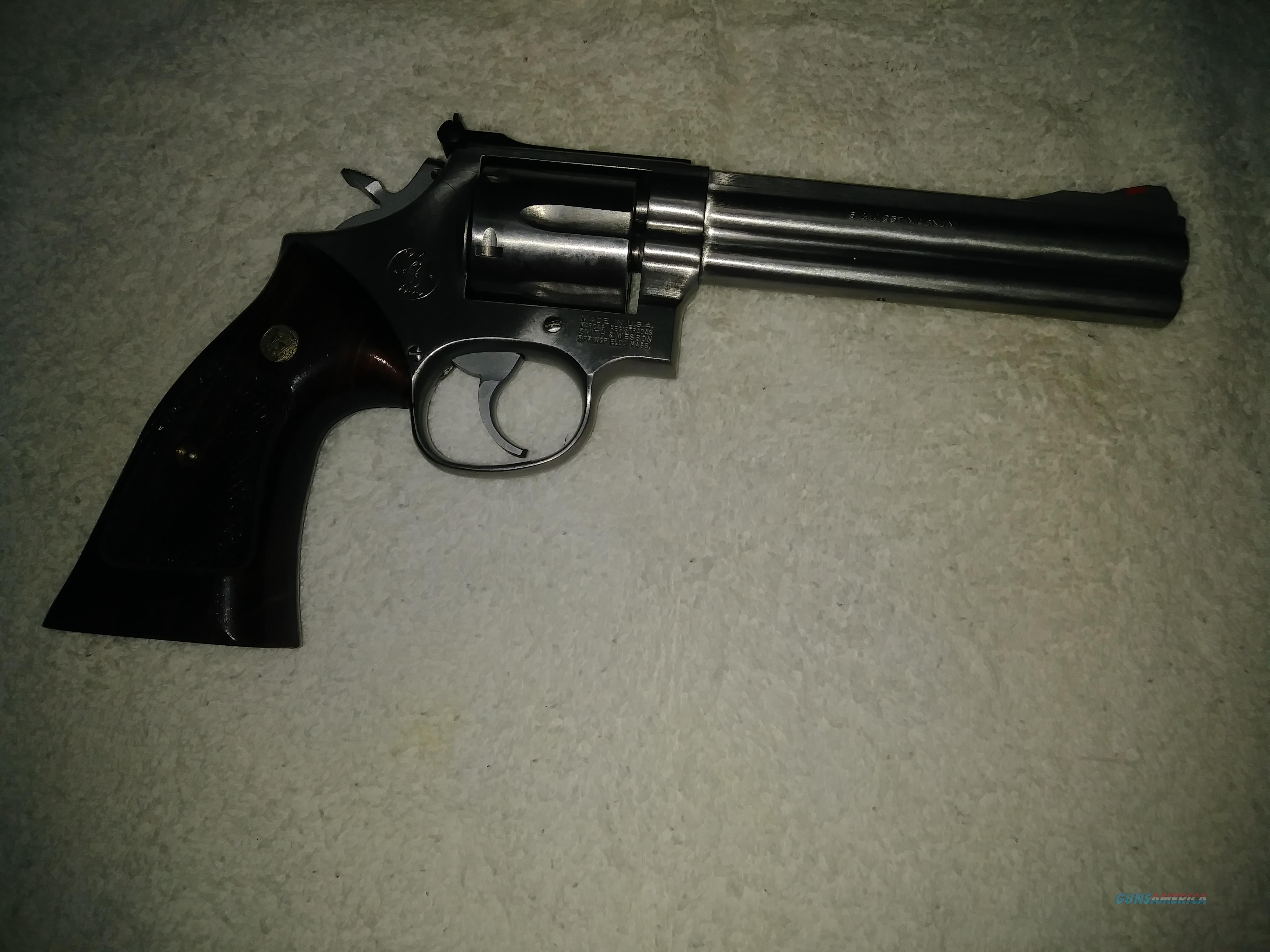 S and W model 686 - 3 SS 6 inch dist. combat magnum WO - red ramp  Guns > Pistols > Smith & Wesson Revolvers > Med. Frame ( K/L )