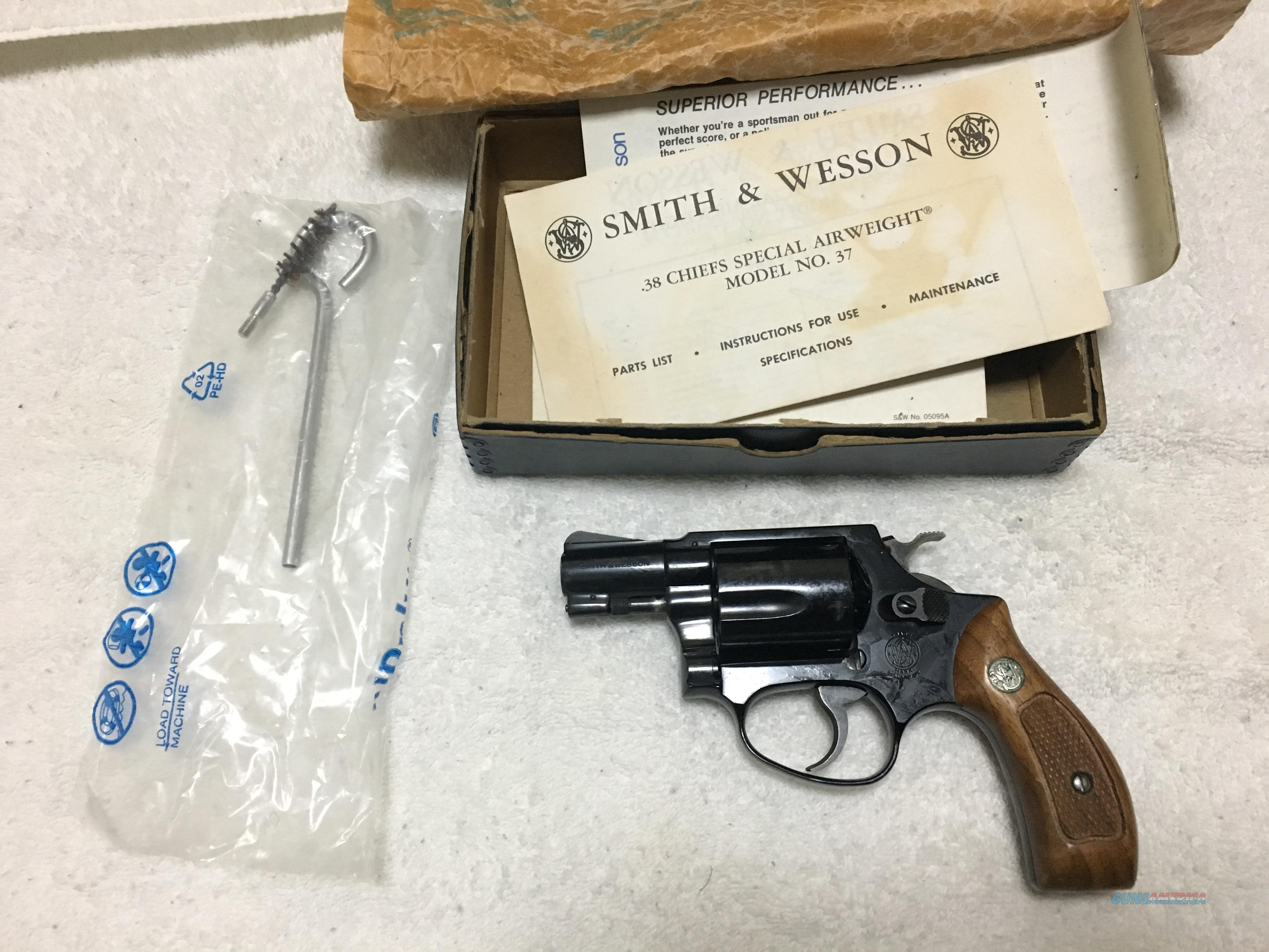 Smith and Wesson model 37 Airweight .38 special  Guns > Pistols > Smith & Wesson Revolvers > Small Frame ( J )