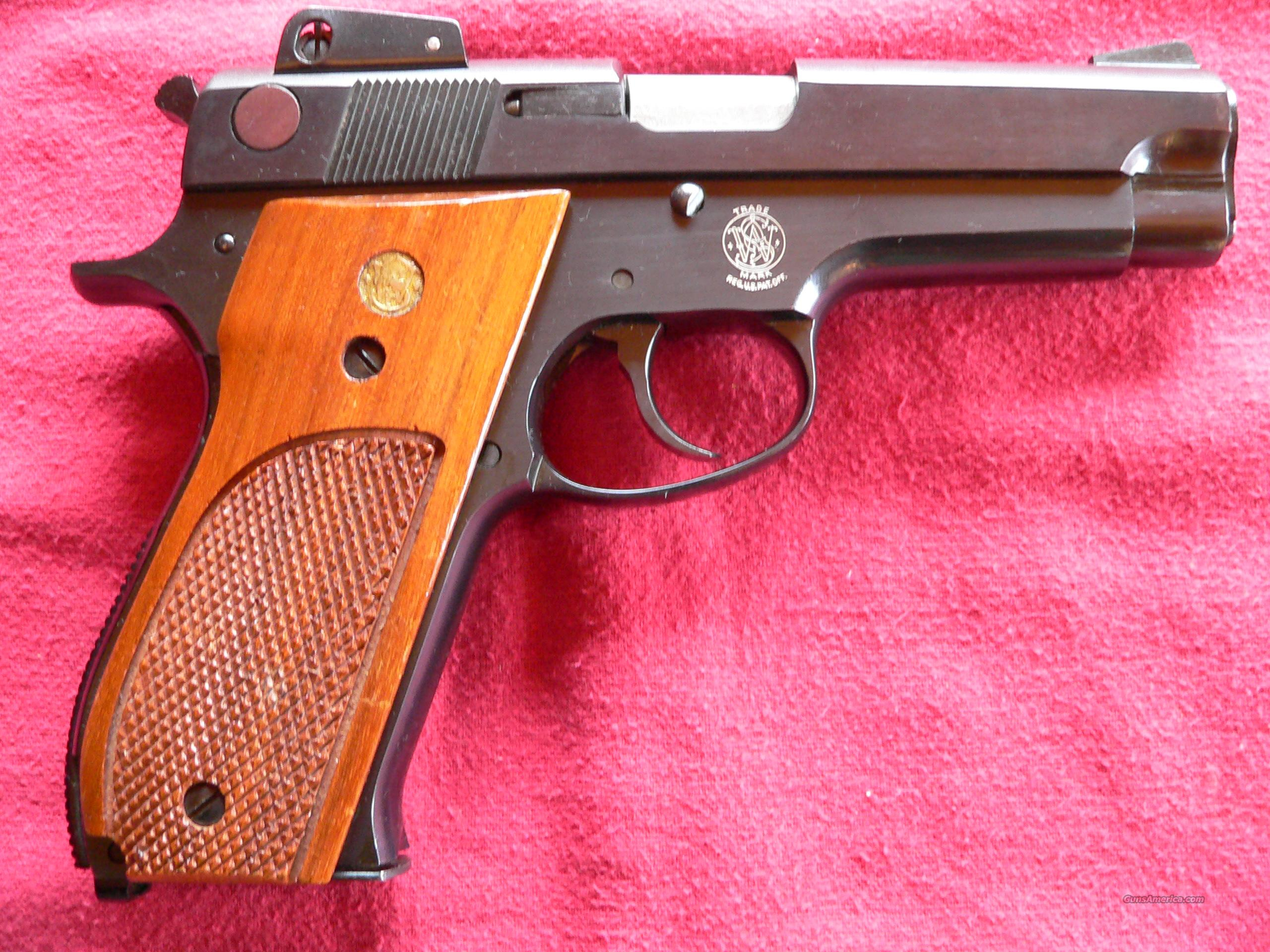 Smith & Wesson Model 539 cal. 9MM 8-shot Pistol  Guns > Pistols > Smith & Wesson Pistols - Autos > Steel Frame