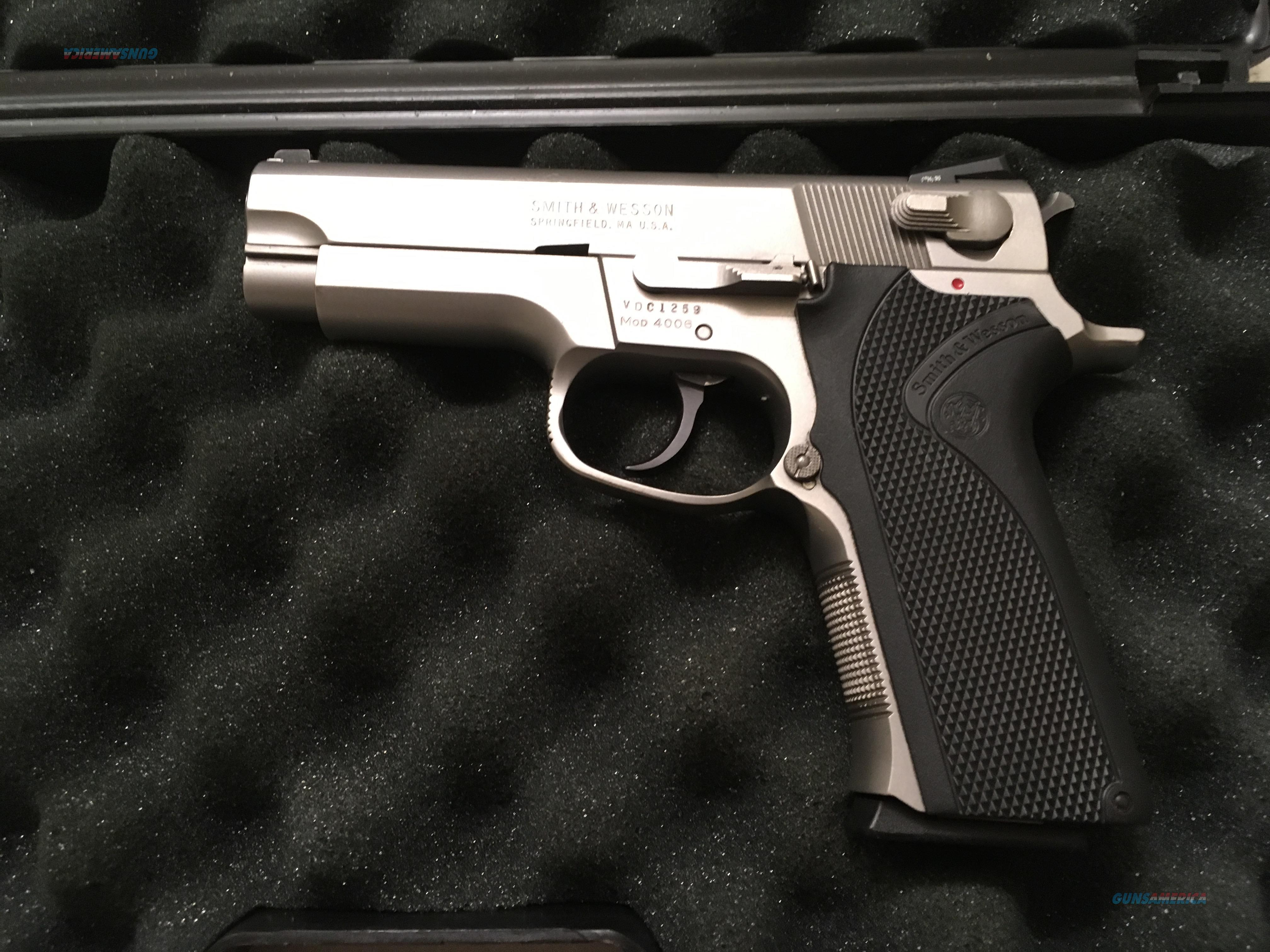 Smith & Wesson M 4006 .40 S&W  Guns > Pistols > Smith & Wesson Pistols - Autos > Steel Frame