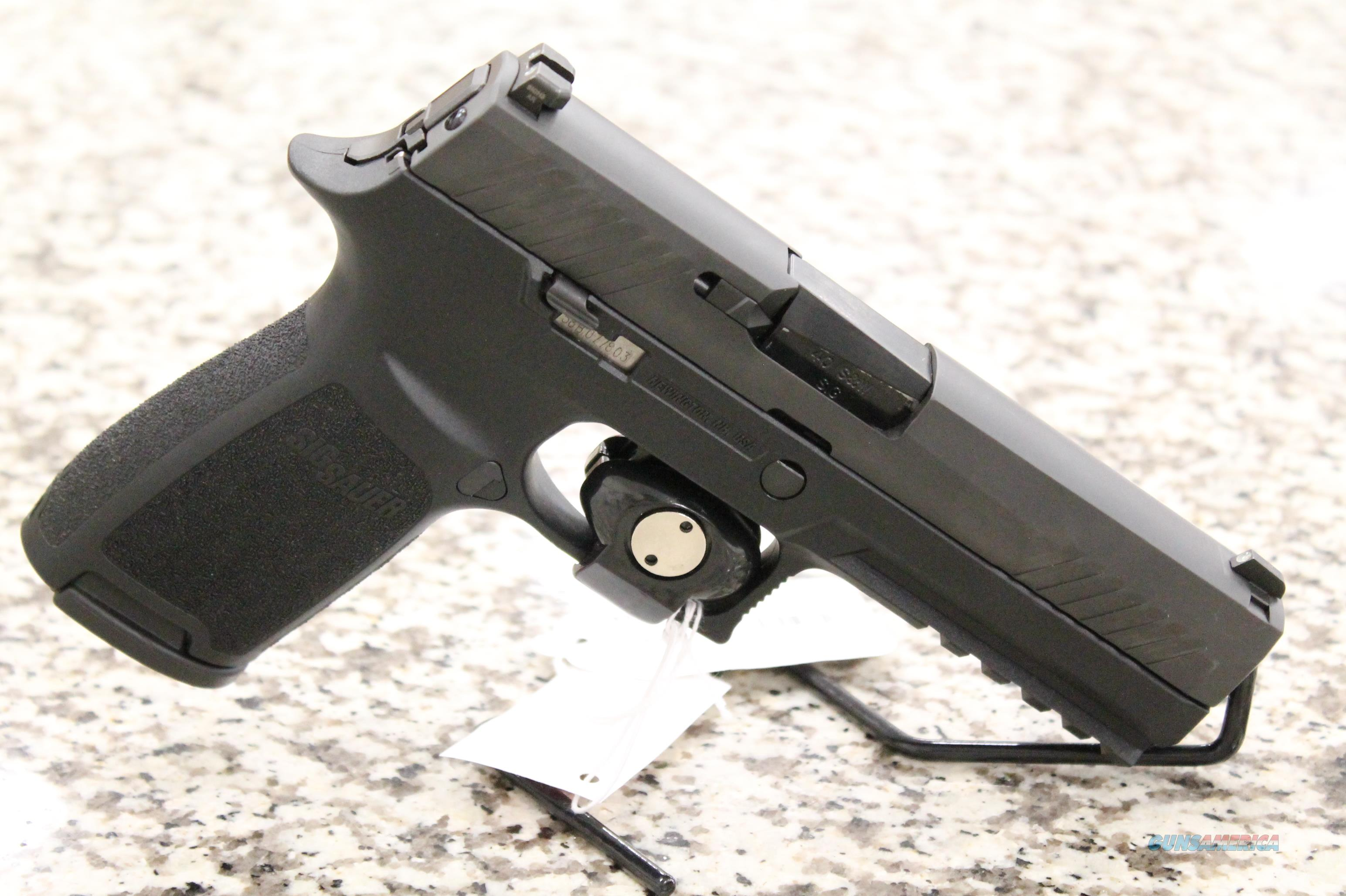 Sig Sauer P320 Full Size .40 S&W Pistol + 2 Mags  Guns > Pistols > Sig - Sauer/Sigarms Pistols > P320