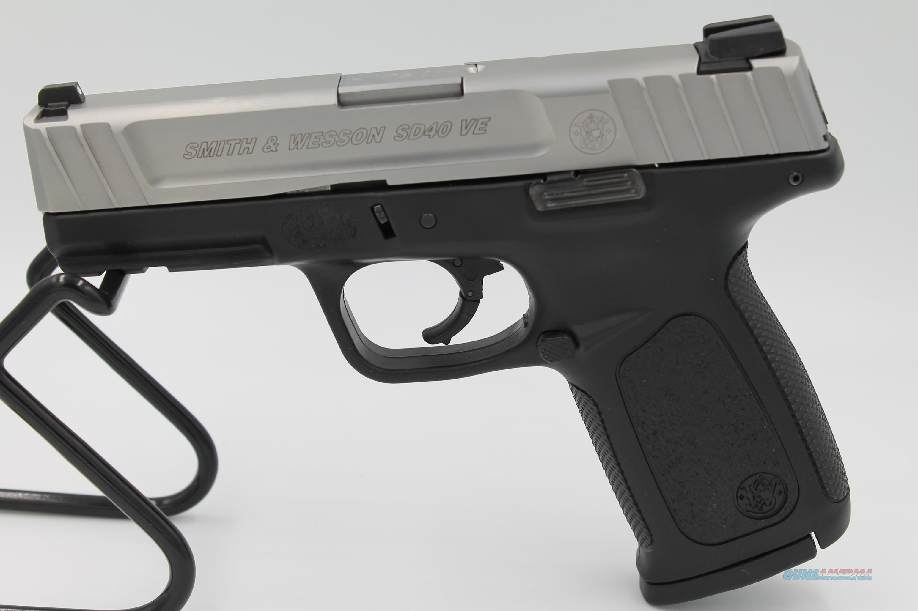 Smith & Wesson SD40VE .40 S&W + (2) 14rd Magazines  Guns > Pistols > Smith & Wesson Pistols - Autos > Polymer Frame