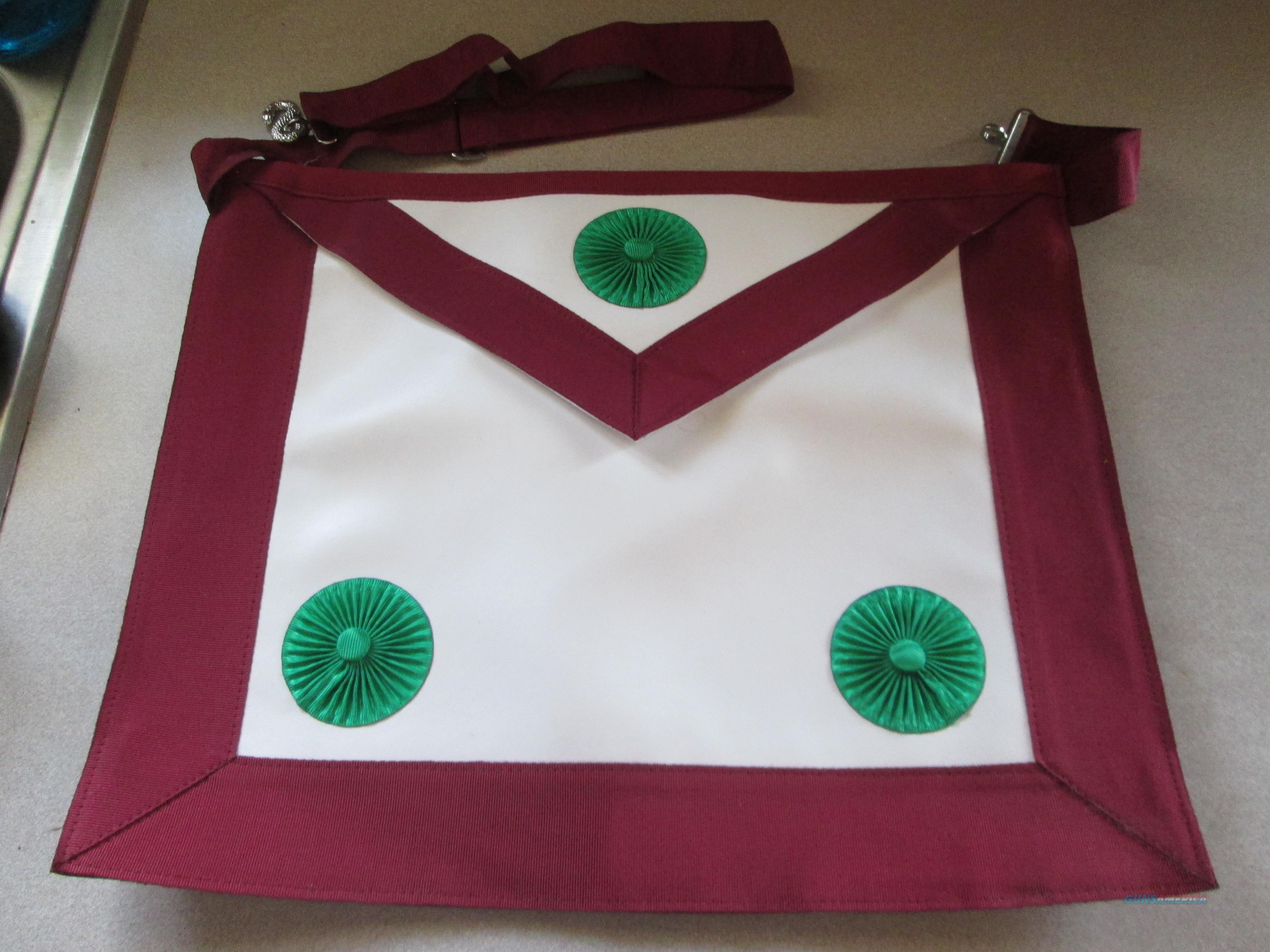 Knight Mason Apron & sash  Non-Guns > Miscellaneous