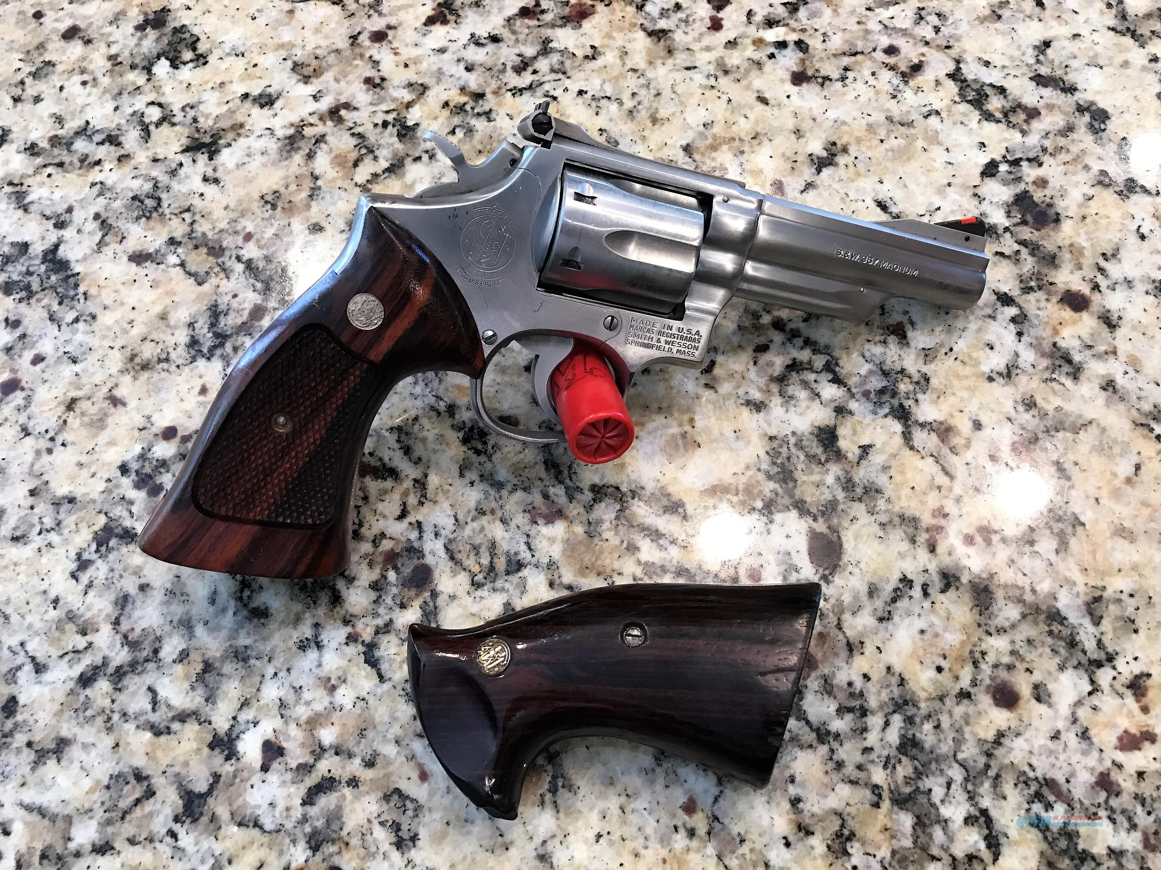 S&W MODEL 66 NO DASH, 4 IN, STAINLESS, 357 MAG, 2 SET FACT GRIPS, MFG 1973, COLLECTOR REVOLVER  Guns > Pistols > Smith & Wesson Revolvers > Med. Frame ( K/L )