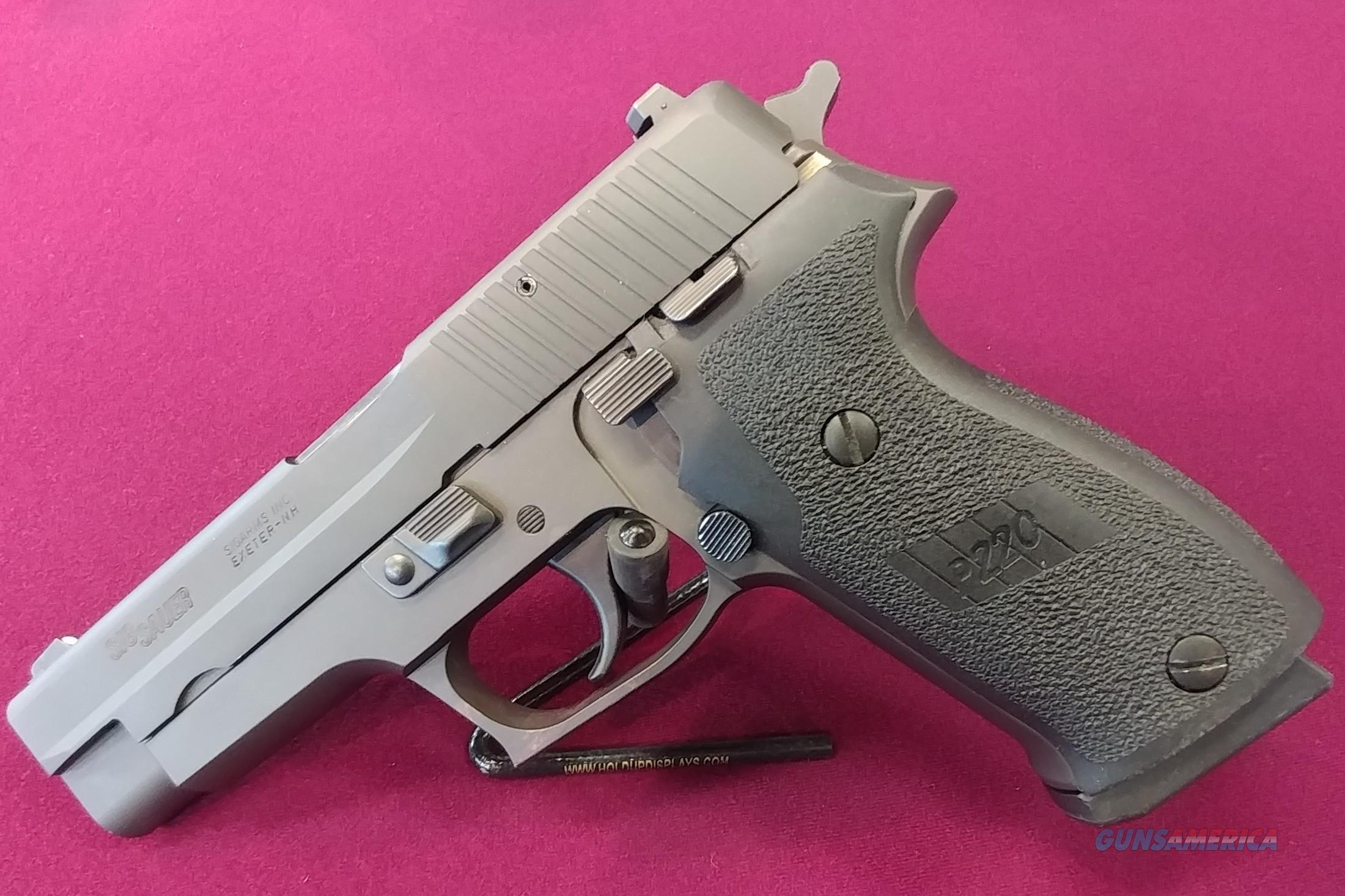 Sig Sauer P220 .45 ACP  Guns > Pistols > Sig - Sauer/Sigarms Pistols > P220