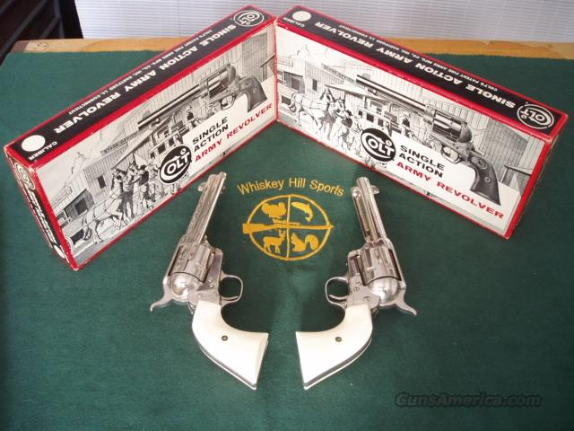 COLT S.A.A. SEC.GEN.CONSECUTIVE PAIR  Guns > Pistols > Colt Single Action Revolvers - 2nd Gen.