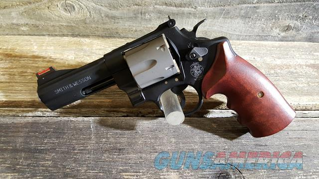 Smith & Wesson 329PD 44MAG  Guns > Pistols > Smith & Wesson Revolvers > Full Frame Revolver