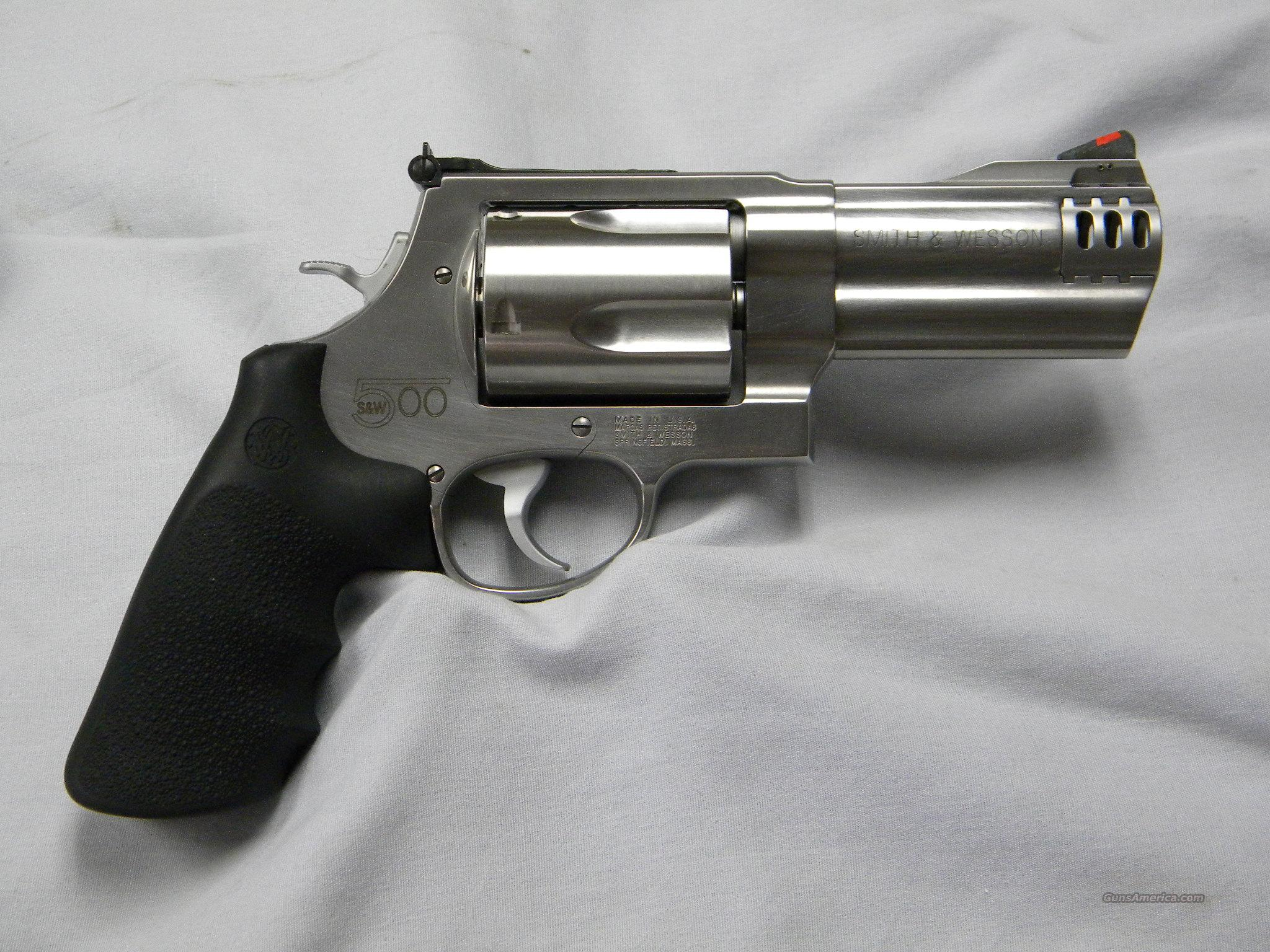 "Smith and Wesson 500 - 4"" NIB  Guns > Pistols > Smith & Wesson Revolvers > Full Frame Revolver"