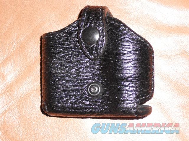 Wilson Combat Sharkskin Combo Pouch  Non-Guns > Holsters and Gunleather > 1911