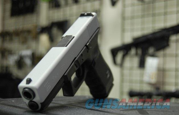 X-Werks Glock 17 Gen 4 Two Tone 9mm  Guns > Pistols > Glock Pistols > 17