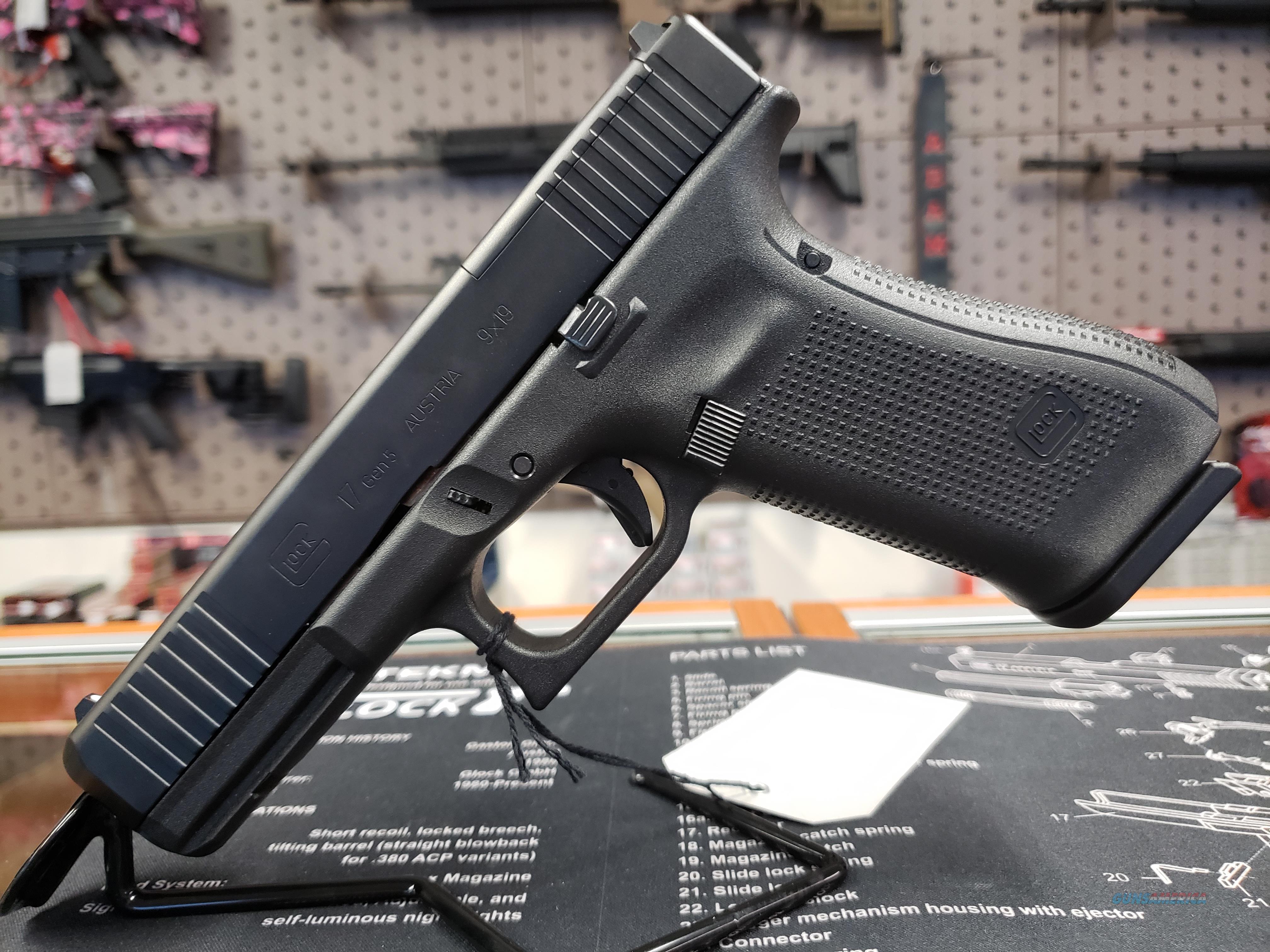 "Glock PA175S203MOS G17 Gen 5 MOS FS 9mm Luger Double 4.49"" 17+1 Black Polymer Grip/Frame Black nDLC Slide  Guns > Pistols > Glock Pistols > 17"