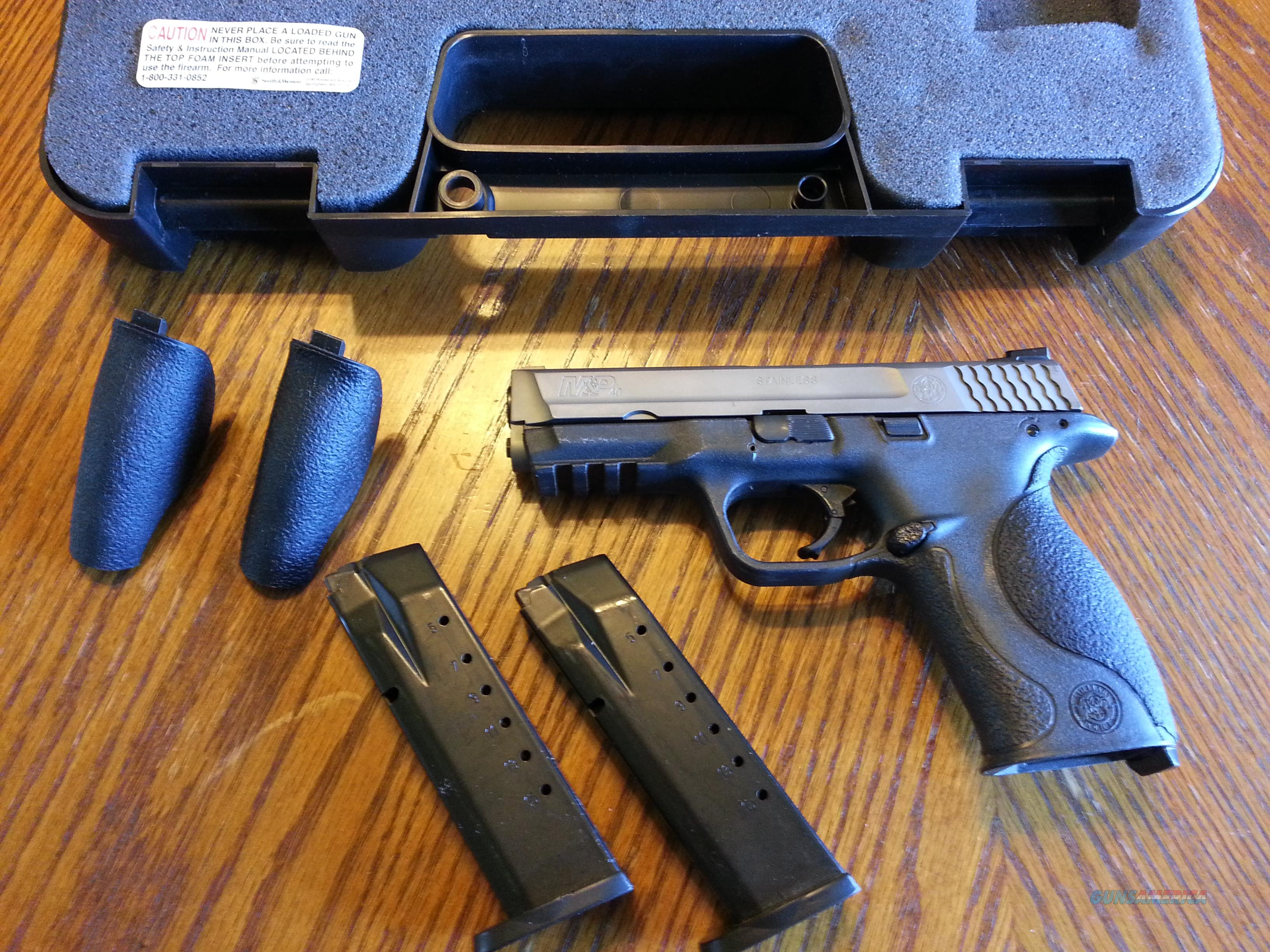 "Smith & Wesson S&W M&P 40 Stainless 2 Tone 4.25"" Night Sights (2) 15 Rd mags Used Striker Fired  Guns > Pistols > Smith & Wesson Pistols - Autos > Polymer Frame"