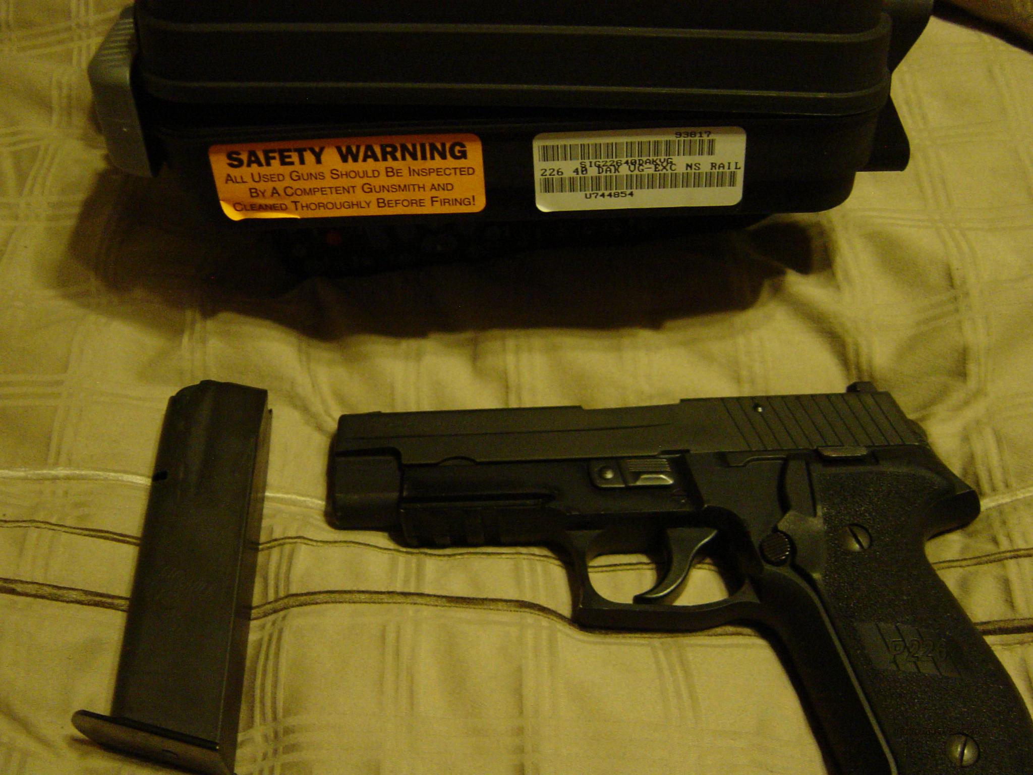 Sig Sauer P226 DAK 40 Smith & Wesson, Night Sights! 12 Round Hi-Capacity, Stainless  Guns > Pistols > Sig - Sauer/Sigarms Pistols > P226